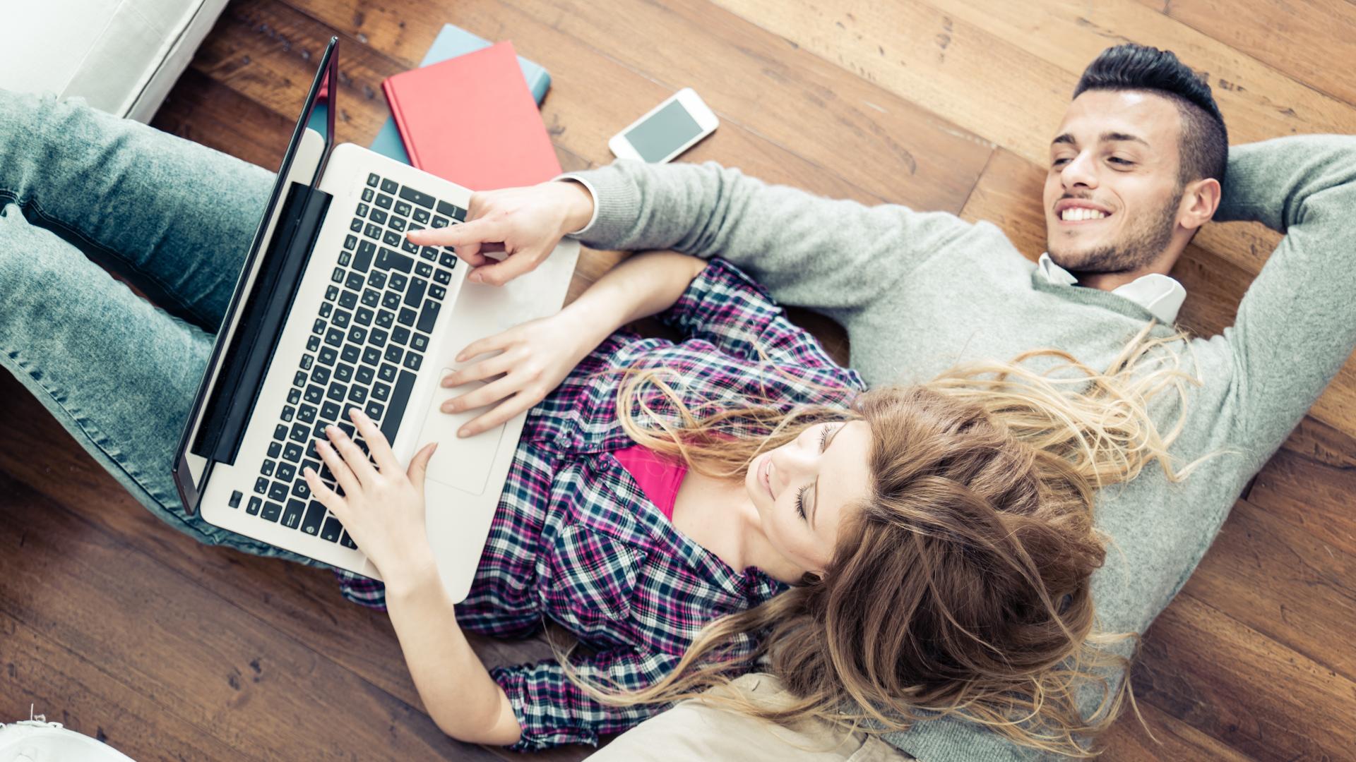 Hoy los Millennials arman su propio hogar digitalmente (iStock)