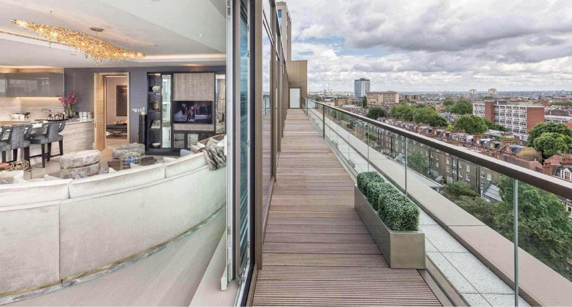 Se ubican en un área donde los precios de los pisos oscilan entre el 1,5 millón de libras hasta los 8,5 millones de libras (entre 1,45 y 10,7 millones de dólares) (berkeleygroup.co.uk)