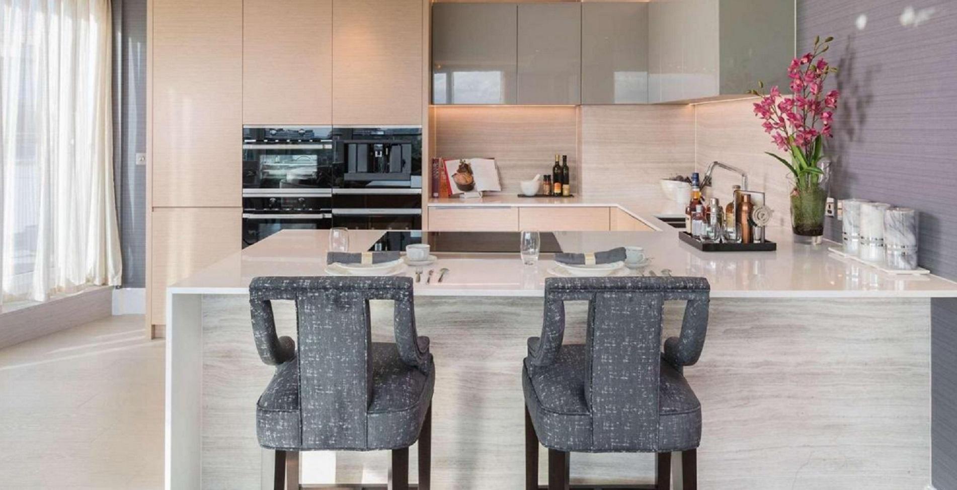 El Gobierno ha dispuesto fondos adicionales para que esos pisos estén disponibles más rápidamente, con el objetivo de tenerlos listos a finales de julio (berkeleygroup.co.uk)