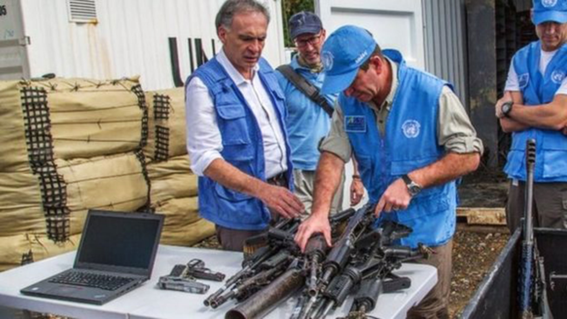 Emisarios de la ONU reciben las armas de las FARC
