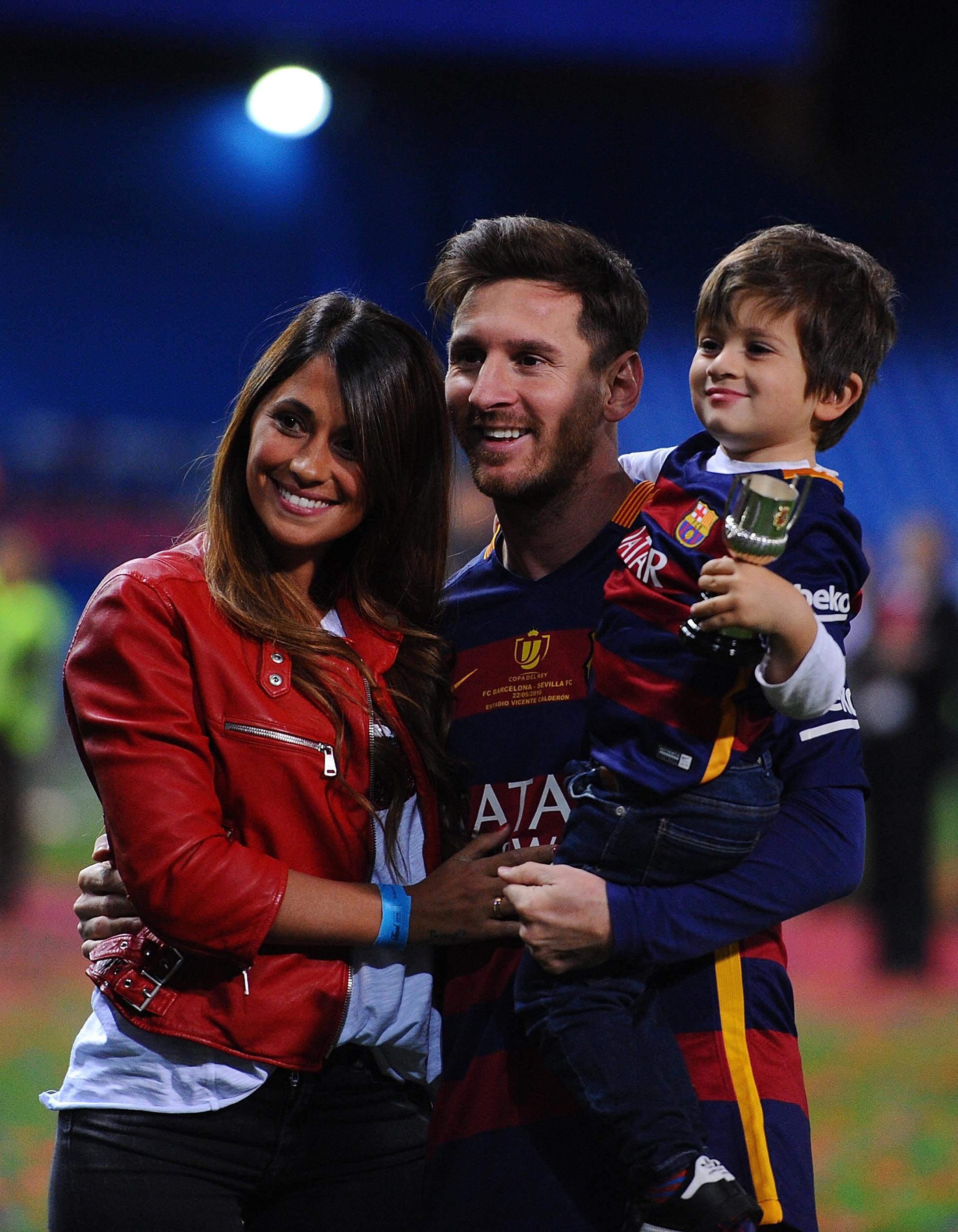 Anto, Lio y Thiago celebrando el triunfo de la 'Copa del Rey' Barcelona ante el Sevilla (Getty Images)