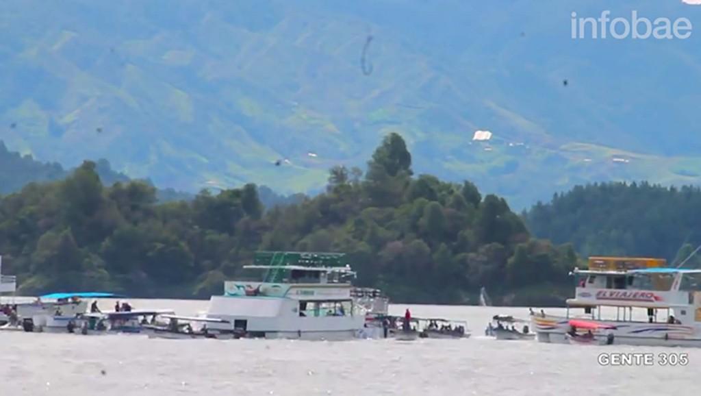 Pánico y muerte al hundirse barco con 150 turistas — Colombia