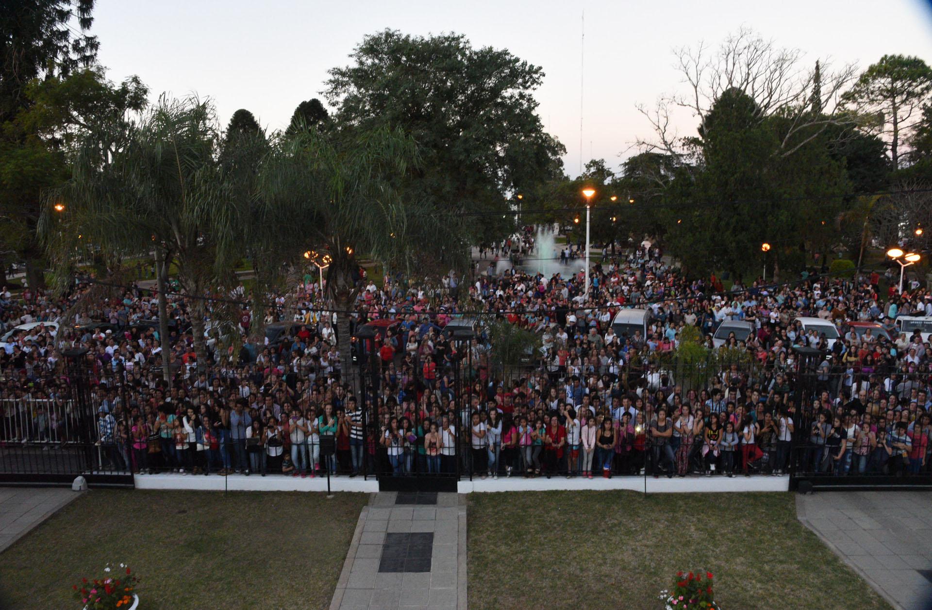 Una multitud acompañó a los novios en Bella Vista, Corrientes