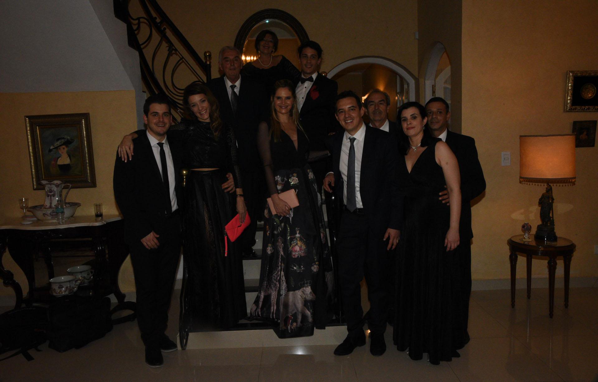 Algunos de los invitados de la familia Artaza