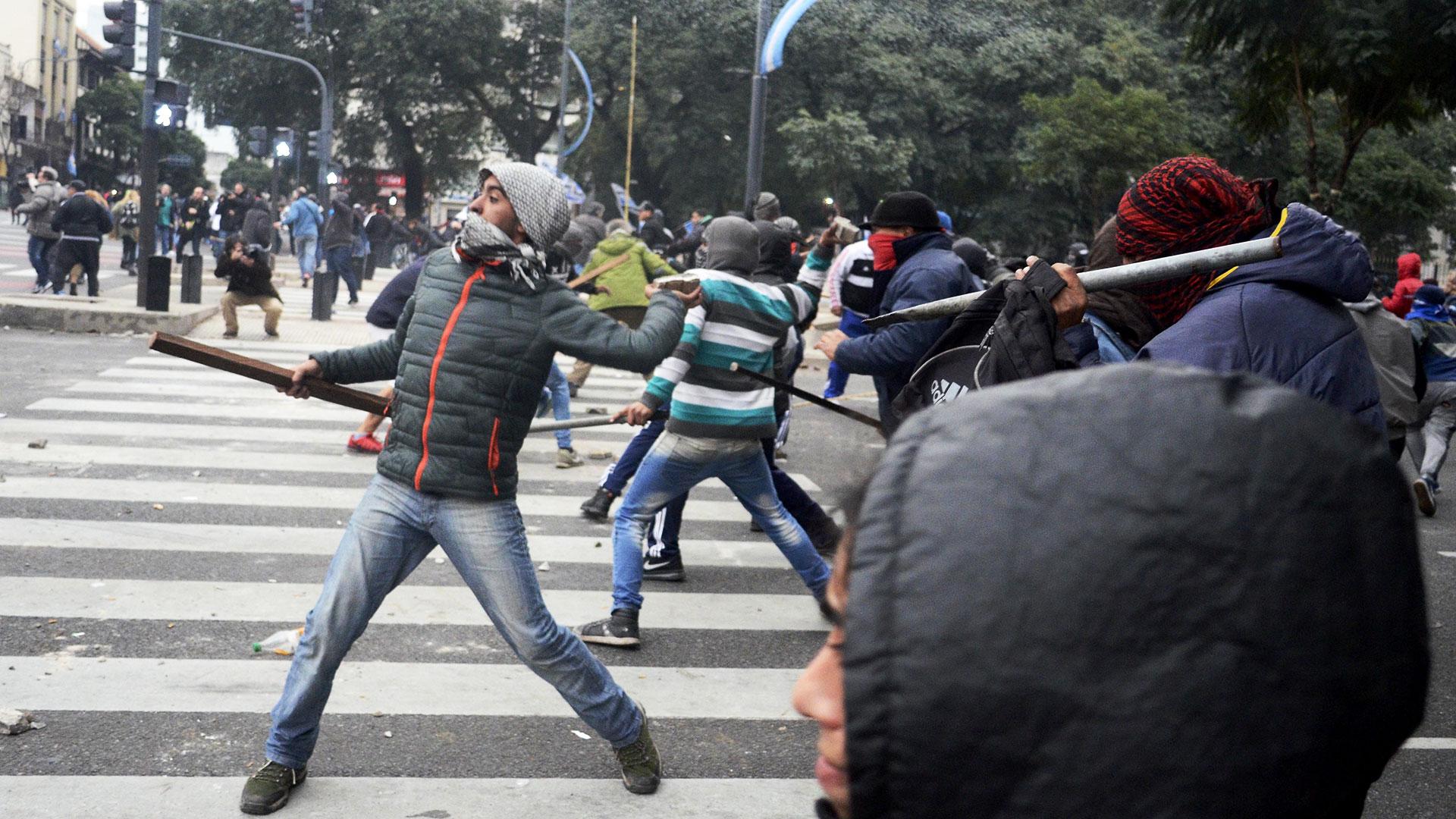 Martín Ocampo aseguró que habrá más intervención policial en las protestas agresivas