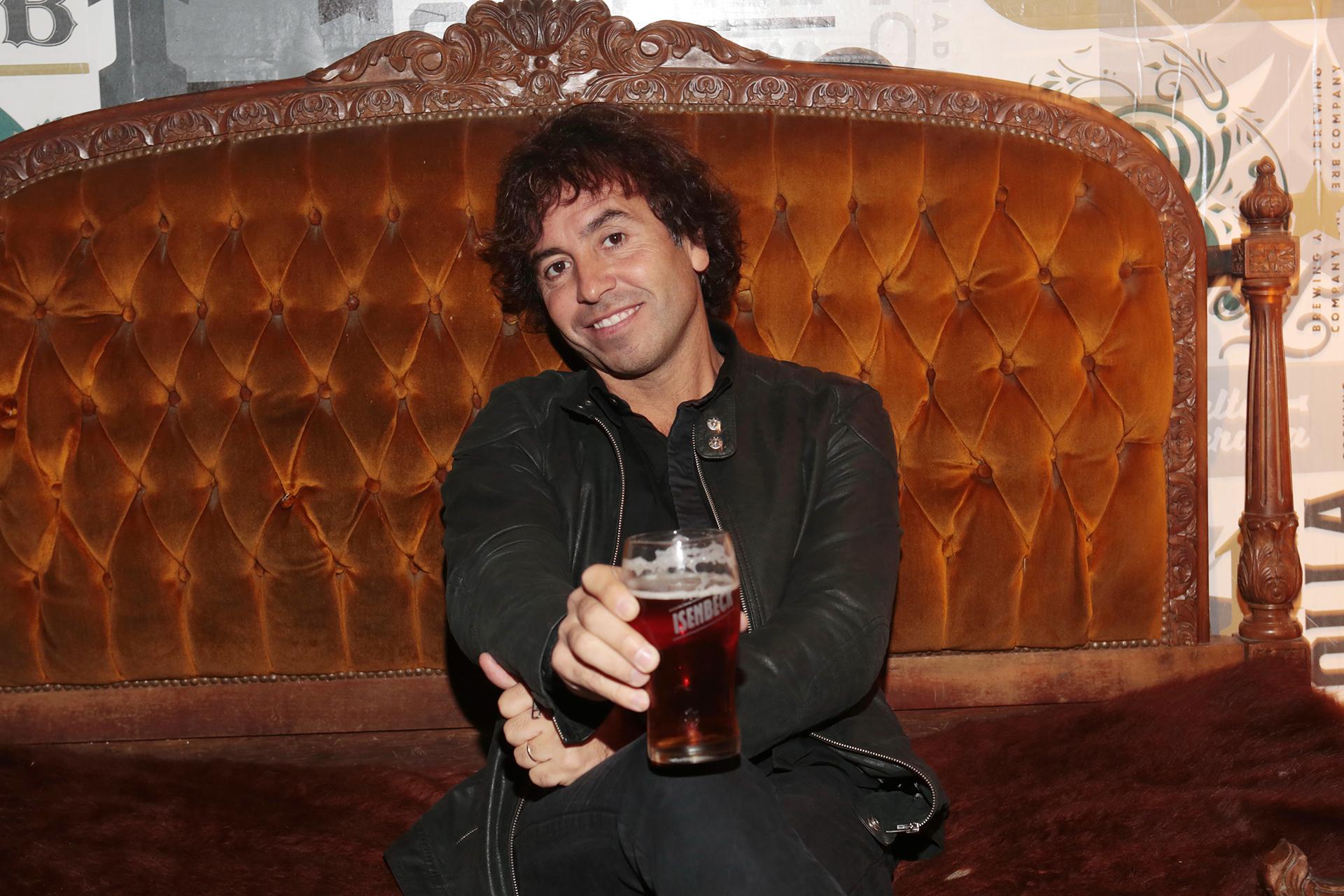 """""""En ambas cervezas encontré la autenticidad de Isenbeck, que siempre propone mantener al consumidor atrapado con sus sabores"""", destacó Gonzalito luego de probar las nuevas propuestas de la marca"""