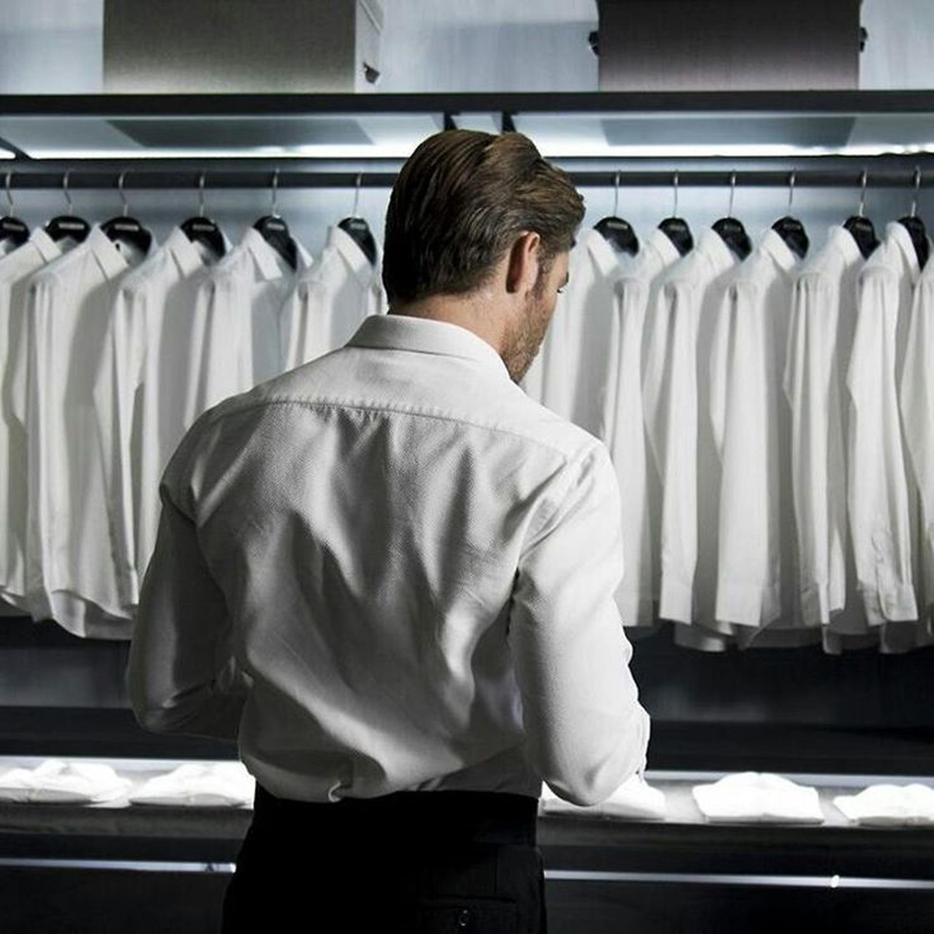 Las camisas blancas de Armani son un clasico con una de las mejores telas del mundo