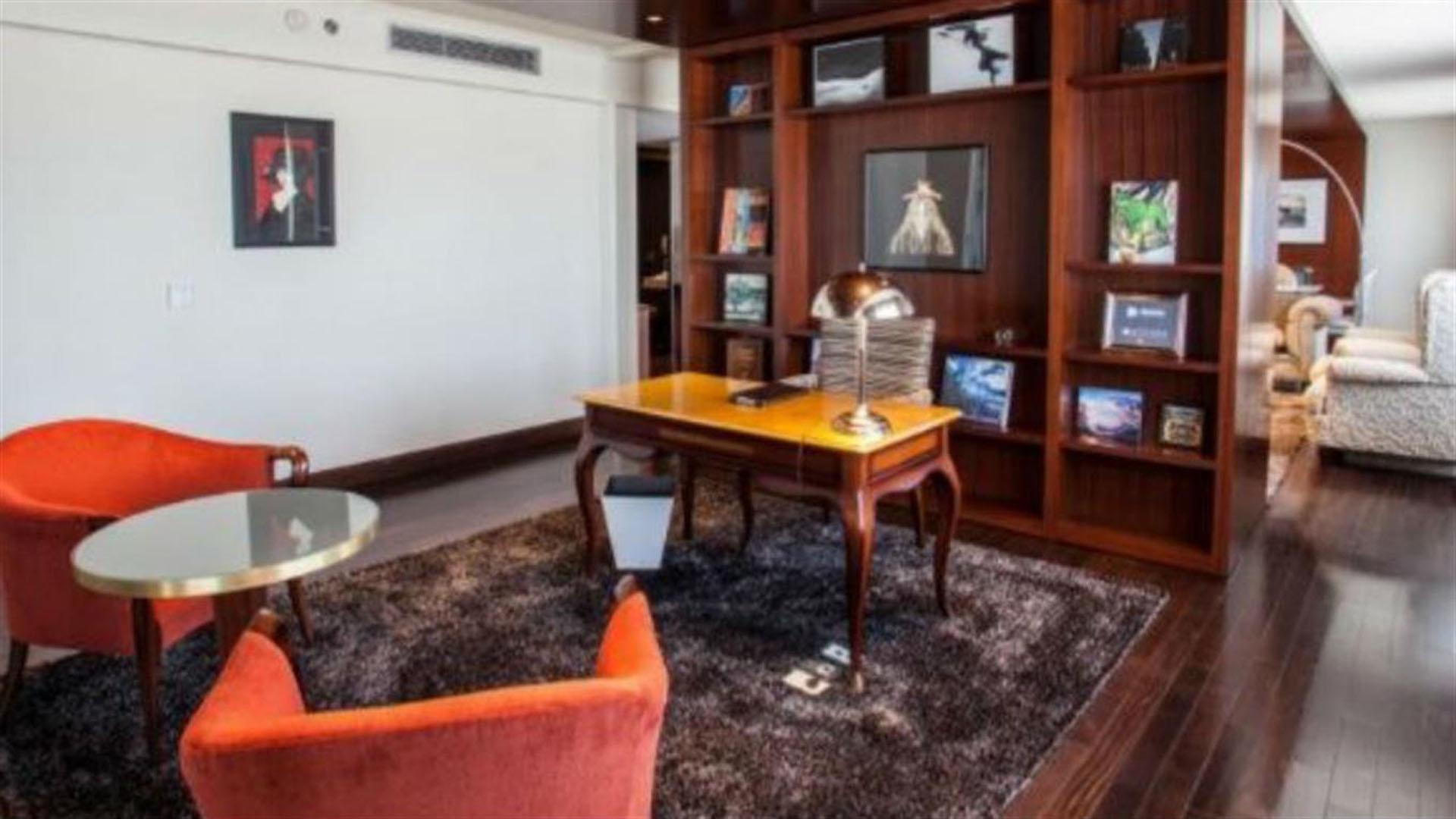 El espacio, de 134 metros cuadrados, cuenta con una cocina independiente, un comedor con mármol de carrara, un living, una biblioteca, un vestidor y un hidromasaje