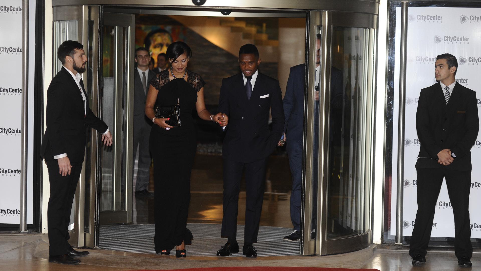 El camerunés Samuel Eto'o y su esposa, Georgette