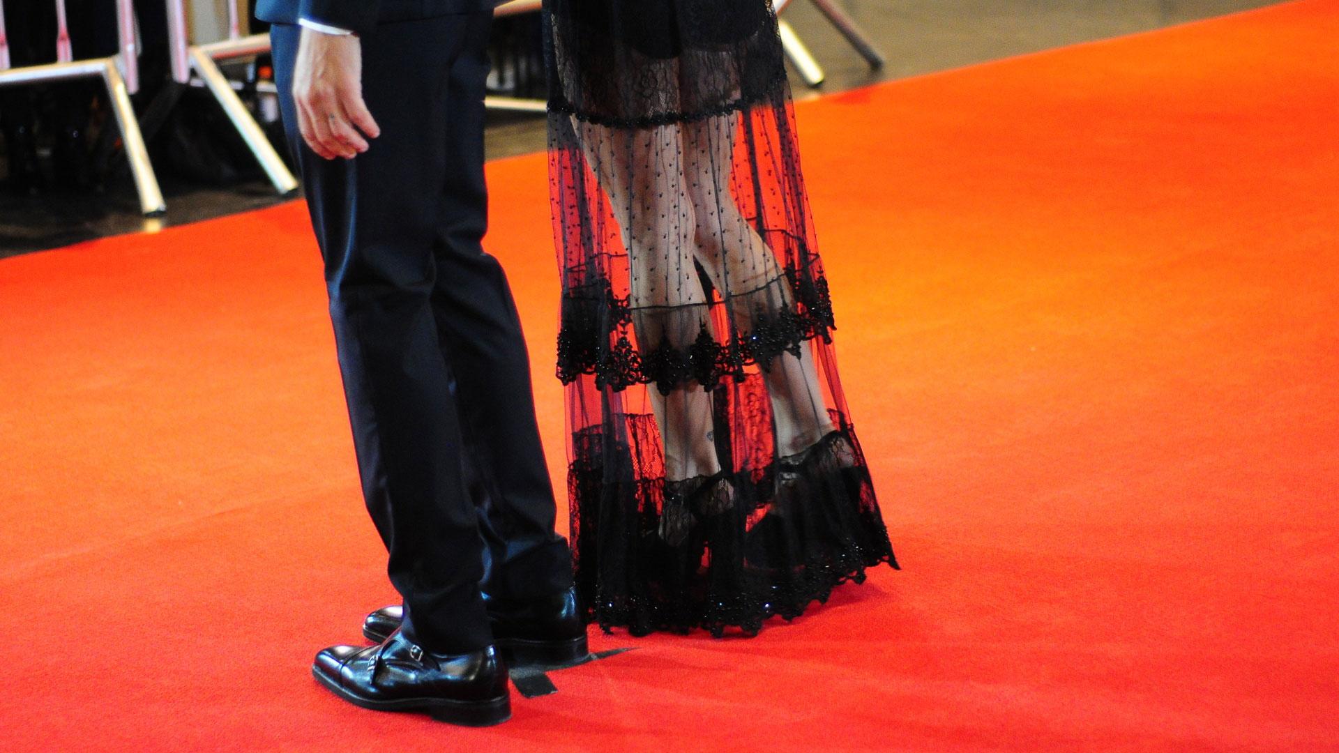 La actriz Gimena Accardi mostró un vestido largo y con destacado encaje