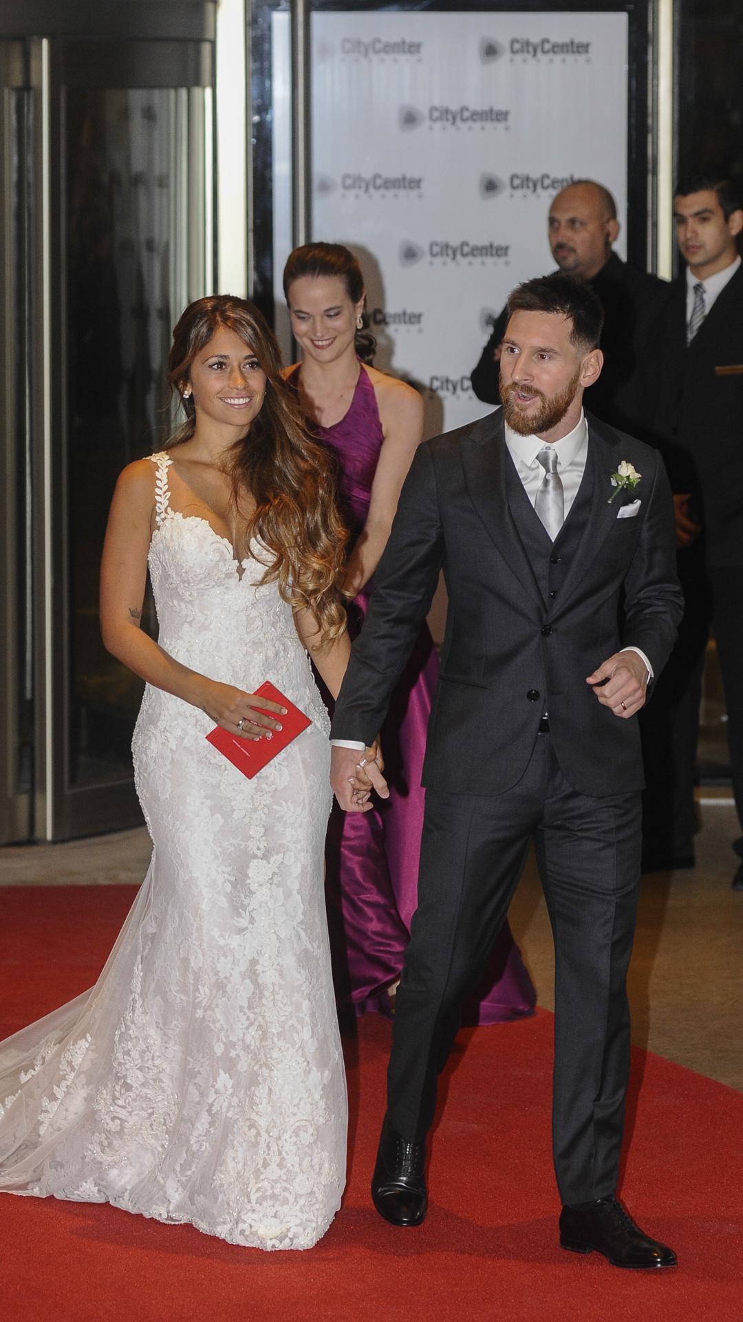 Los zapatos de novia fueron una creación de Ricky Sarkany (Martín Villar)