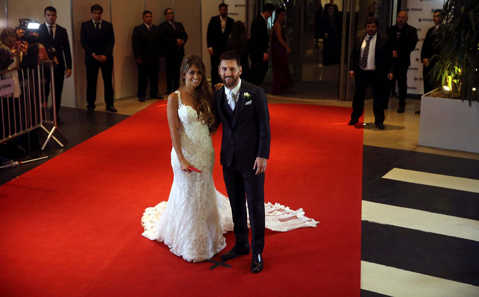 Messi apostó por la sobriedad para que se luciera su mujerREUTERS/Marcos Brindicci