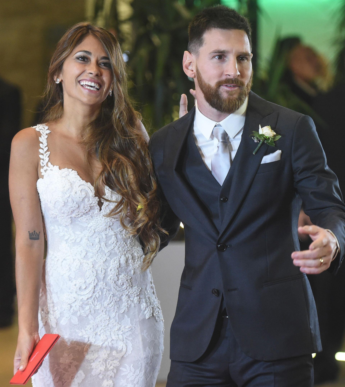 """Cuando Messi conoció a Antonela en la casa de su amigo Lucas Scaglia, le preguntó: """"¿Quién es?"""". Su compañero de fútbol le respondió: """"Mi prima"""". Desde ese día la amó. Tenía 9 años"""