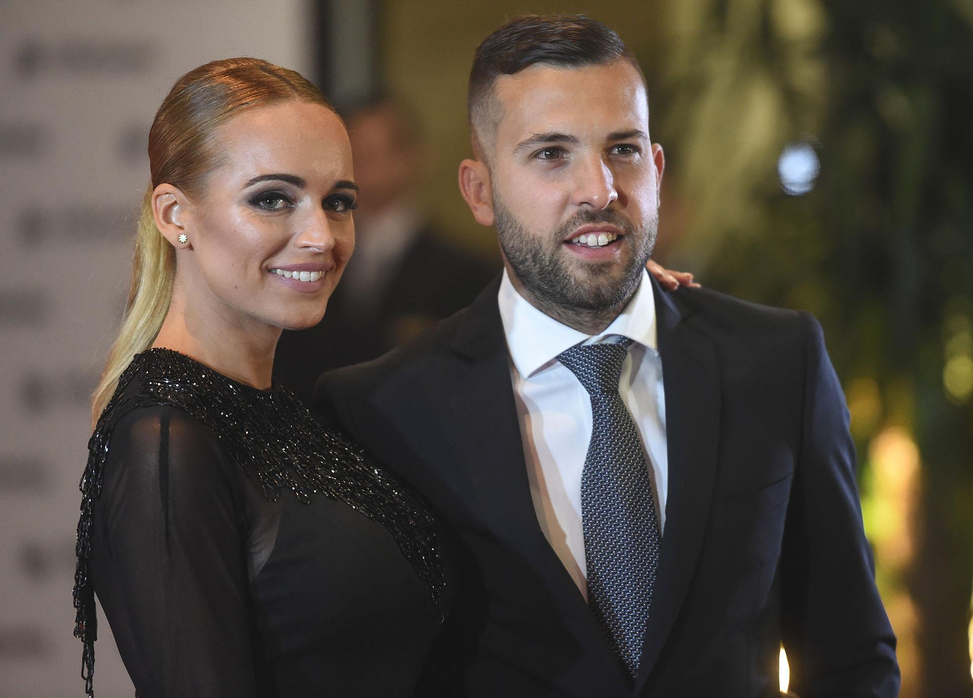 """Jordi Alba y la bellísima Romarey Ventura, en pareja desde 2015: """"Una personita muy especial para mí"""", define el jugador del Barcelona"""