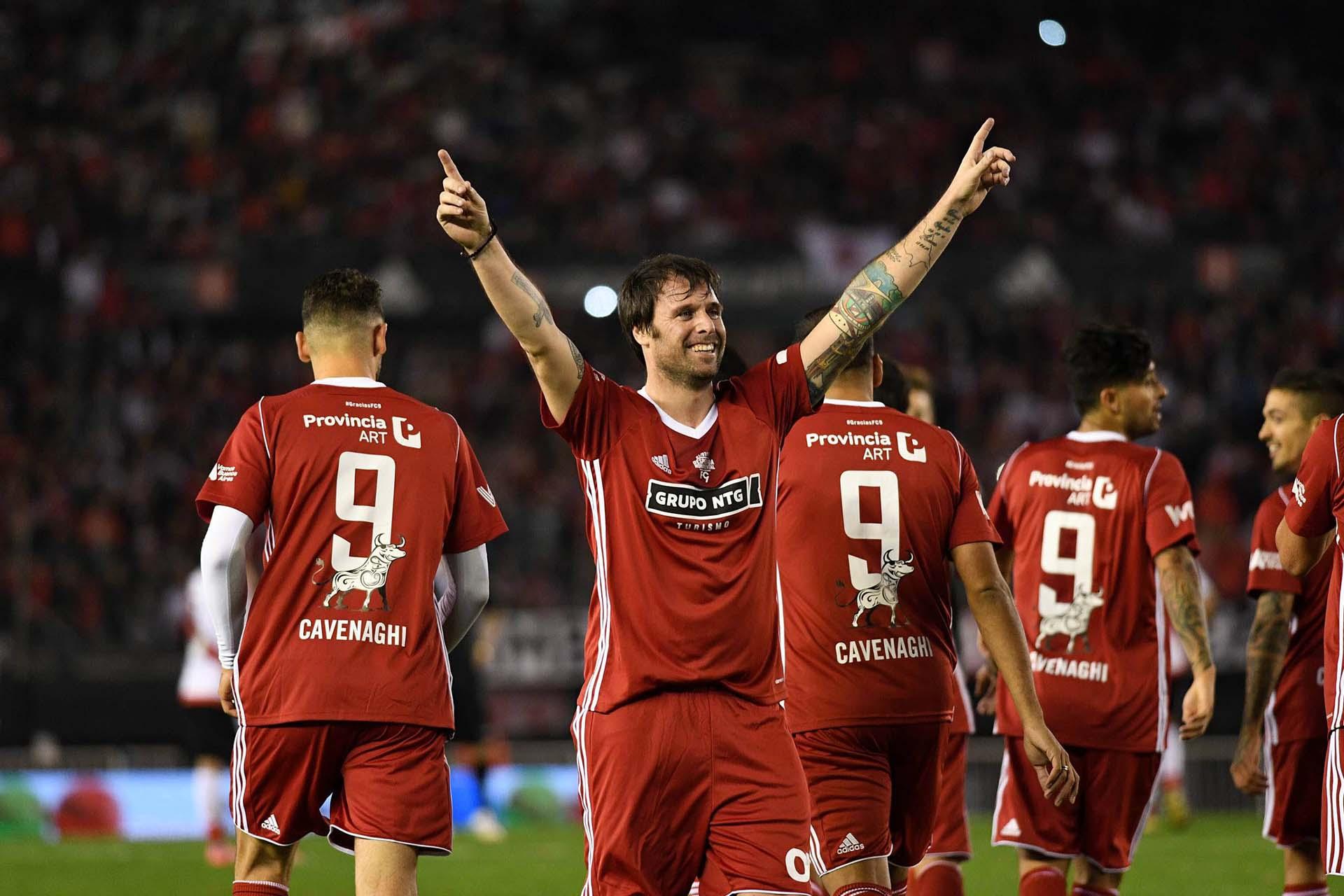 El festejo de Fernando Cavenaghi en uno de sus goles