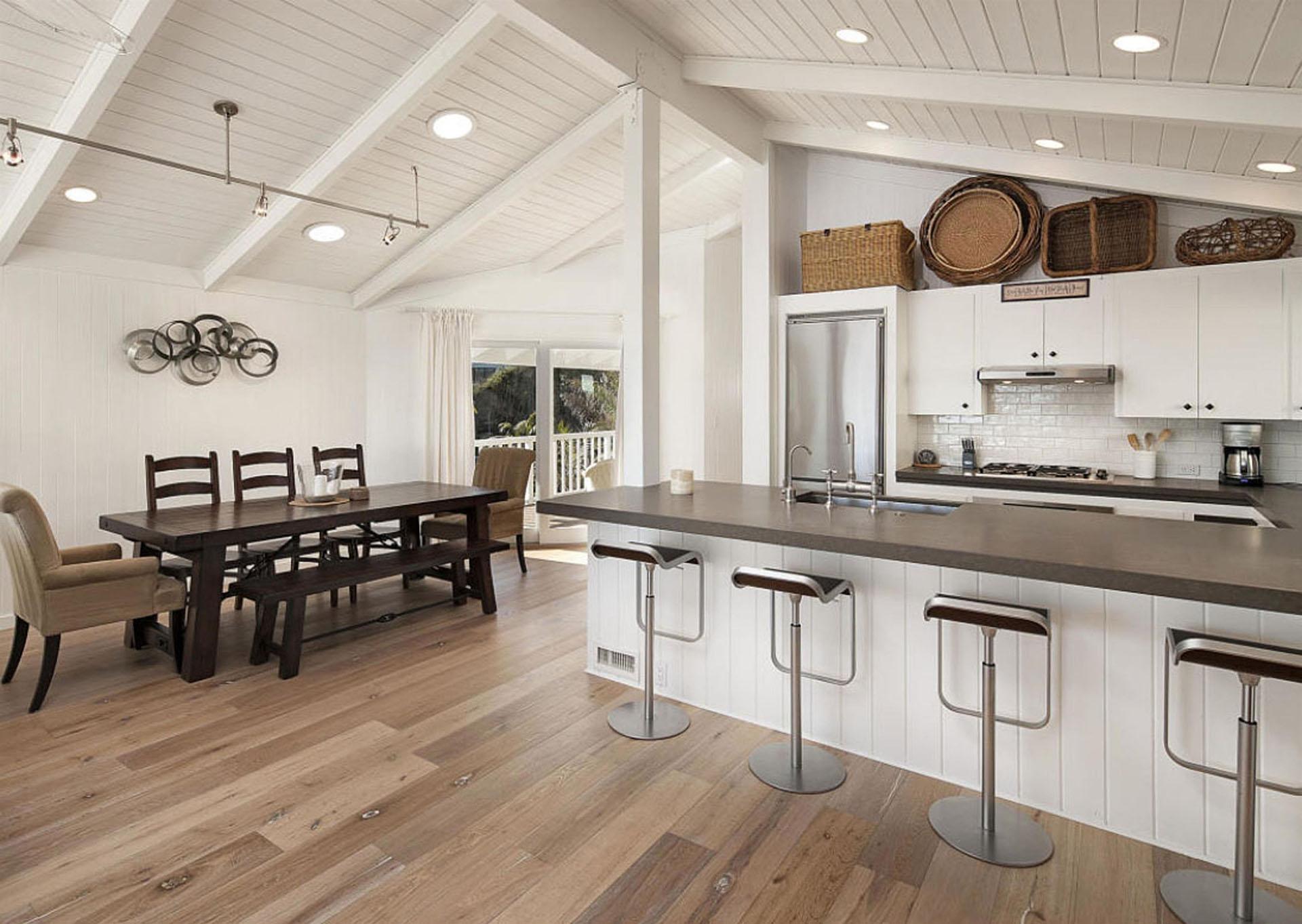 Así es la impresionante casa en la playa de Mila Kunis y Ashton ...