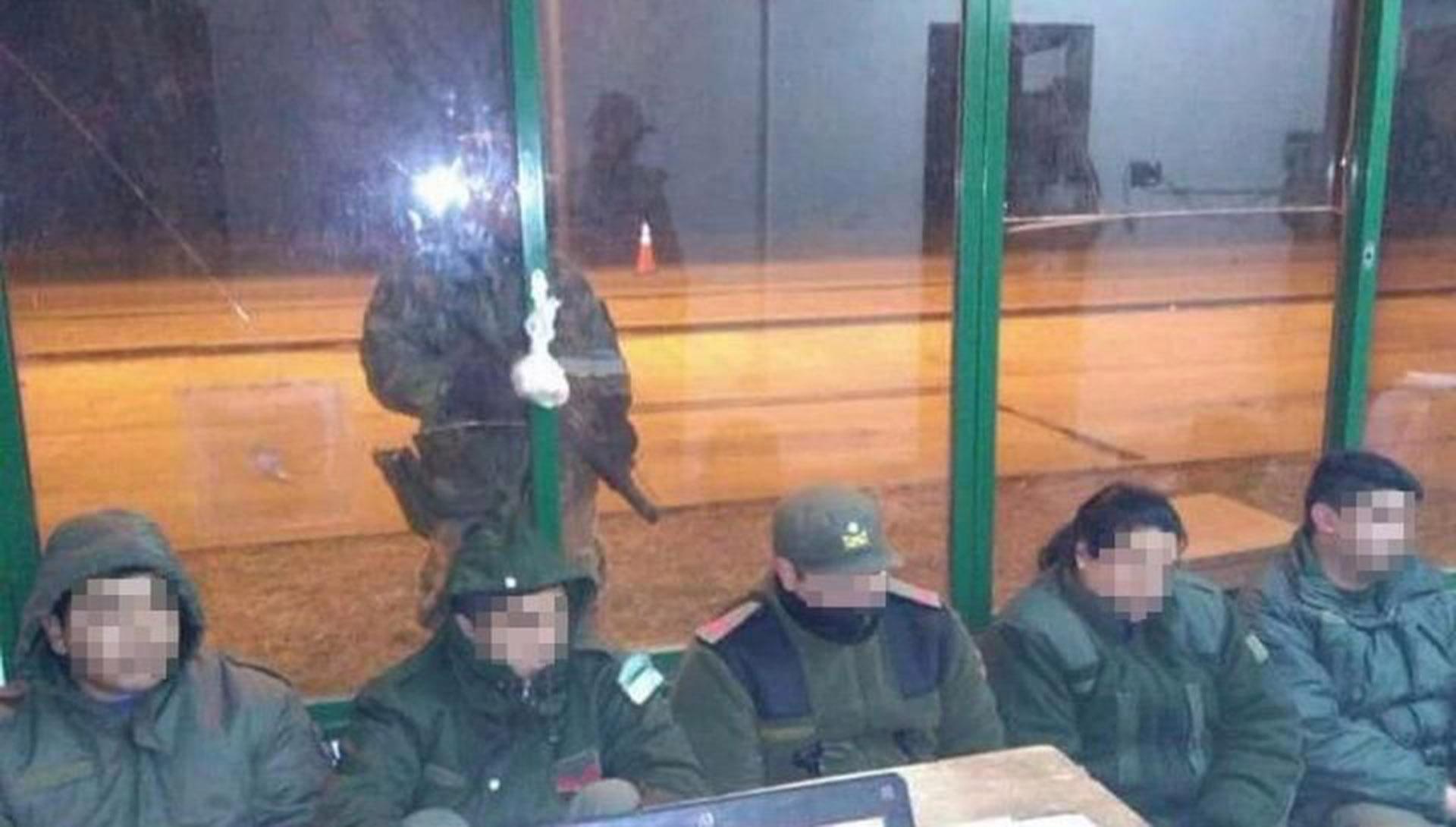 Los cinco gendarmes detenidos en Salta (Gentileza Bendito Yrigoyen)