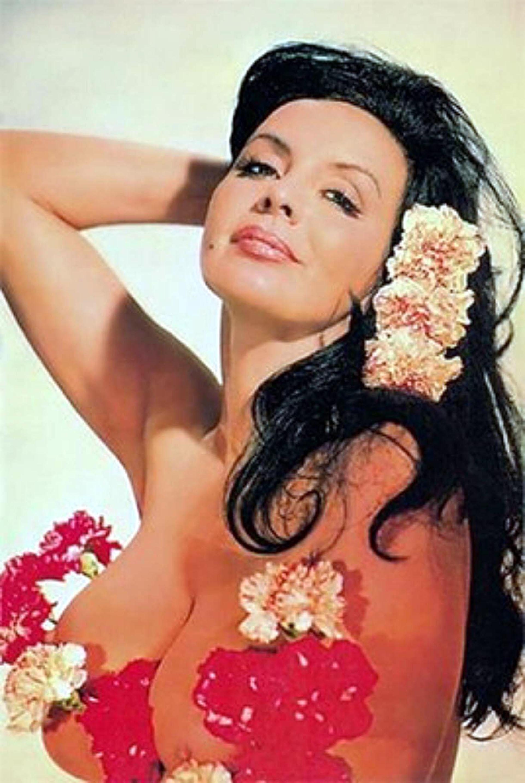 La gran mayoría de las películas de Isabel Sarli fueron hechas en blanco y negro, en algunos casos por la tecnología del momento y en otros para no sufrircensura
