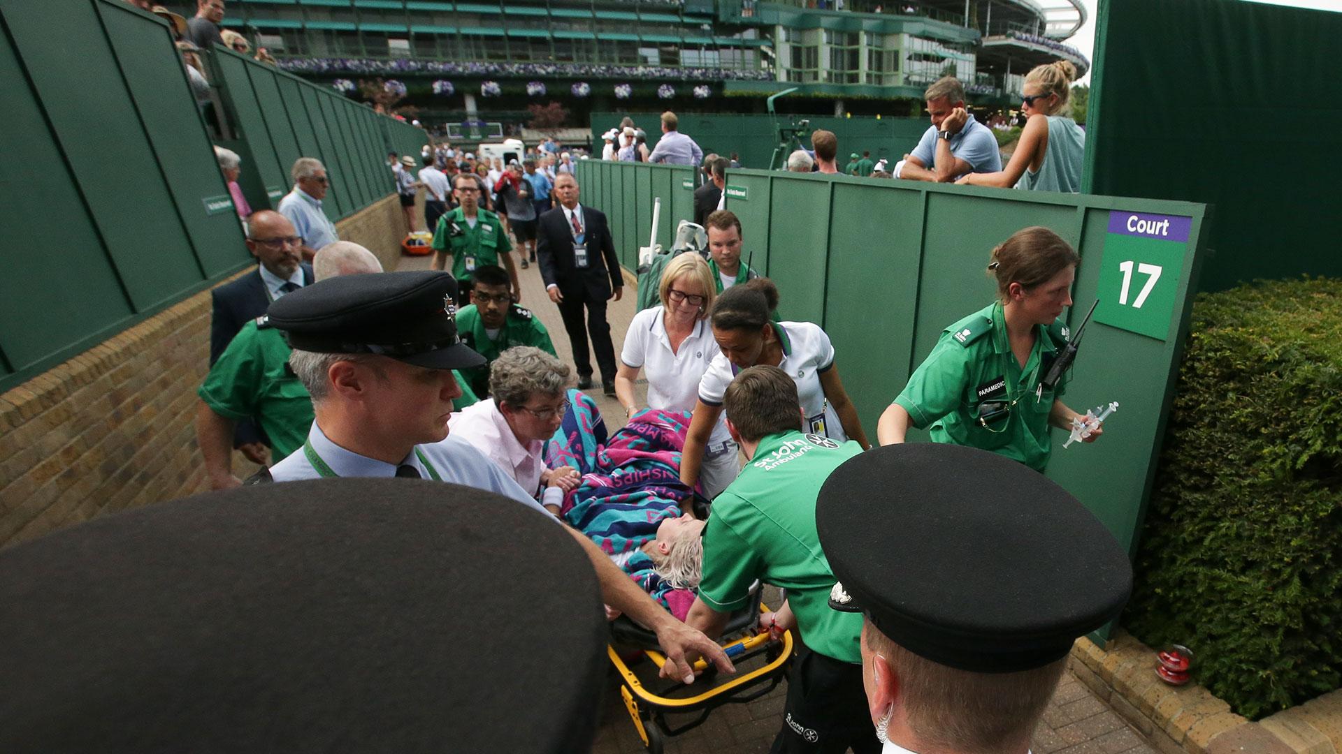 (AFP)la tenista sufrió una impactante lesión en pleno partido