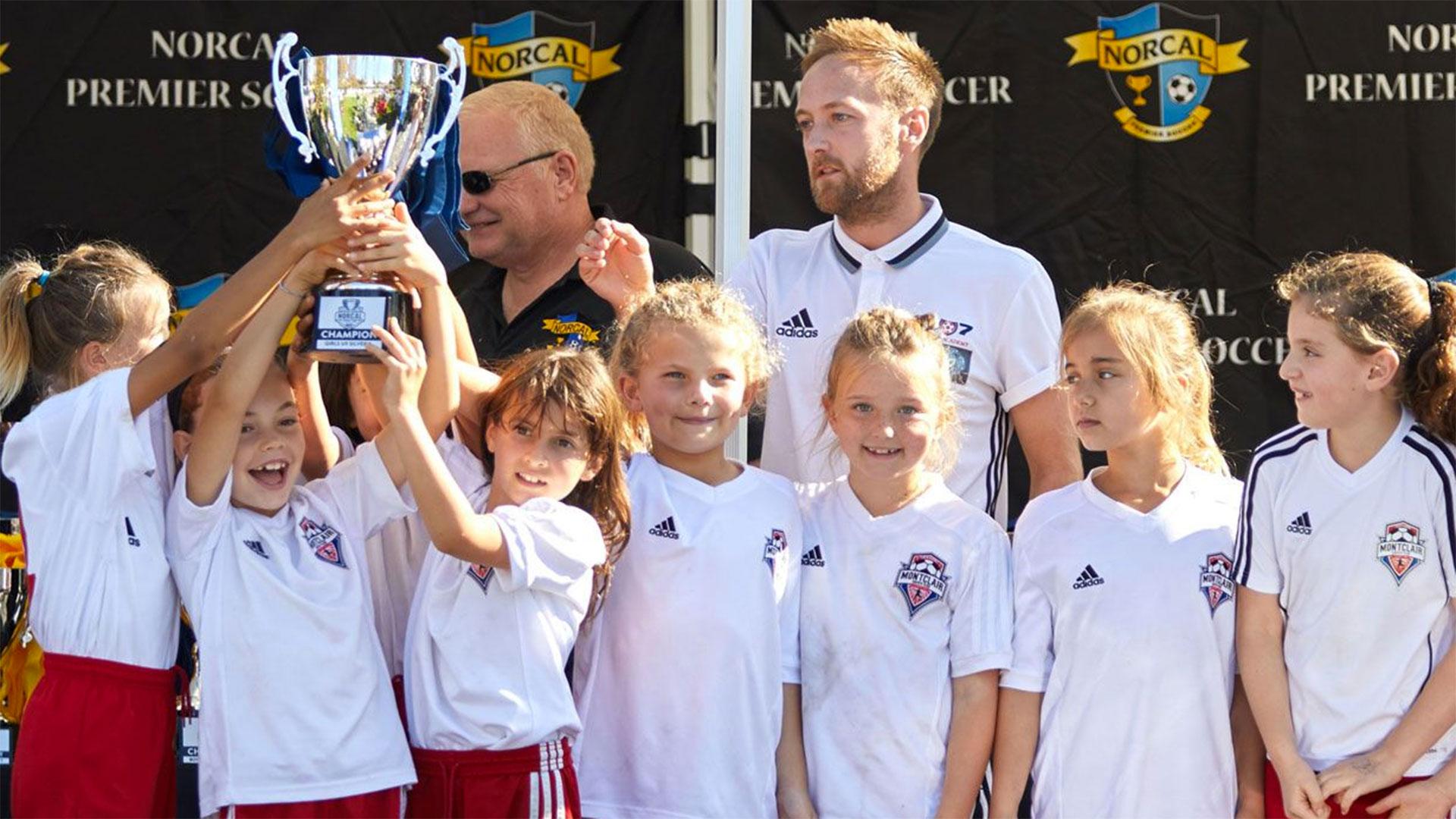 Los clubes organizan torneos regionales para fomentar la competencia
