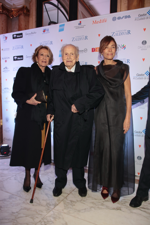 Los padres de la reina Máxima de Holanda: María del Carmen Cerruti Carricart y Jorge Zorreguieta junto a Estela Zaldivar