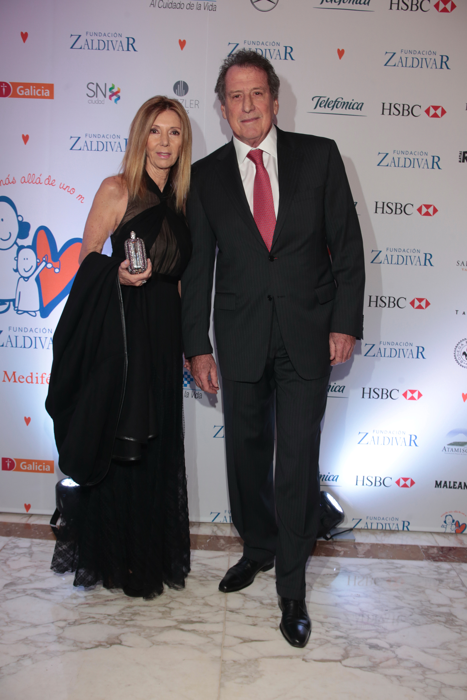 El presidente del Banco Macro, Jorge Brito, y su mujer Marcela Carballo