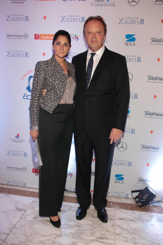 El presidente del Banco de Valores, Juan Ignacio Nápoli, y su mujer