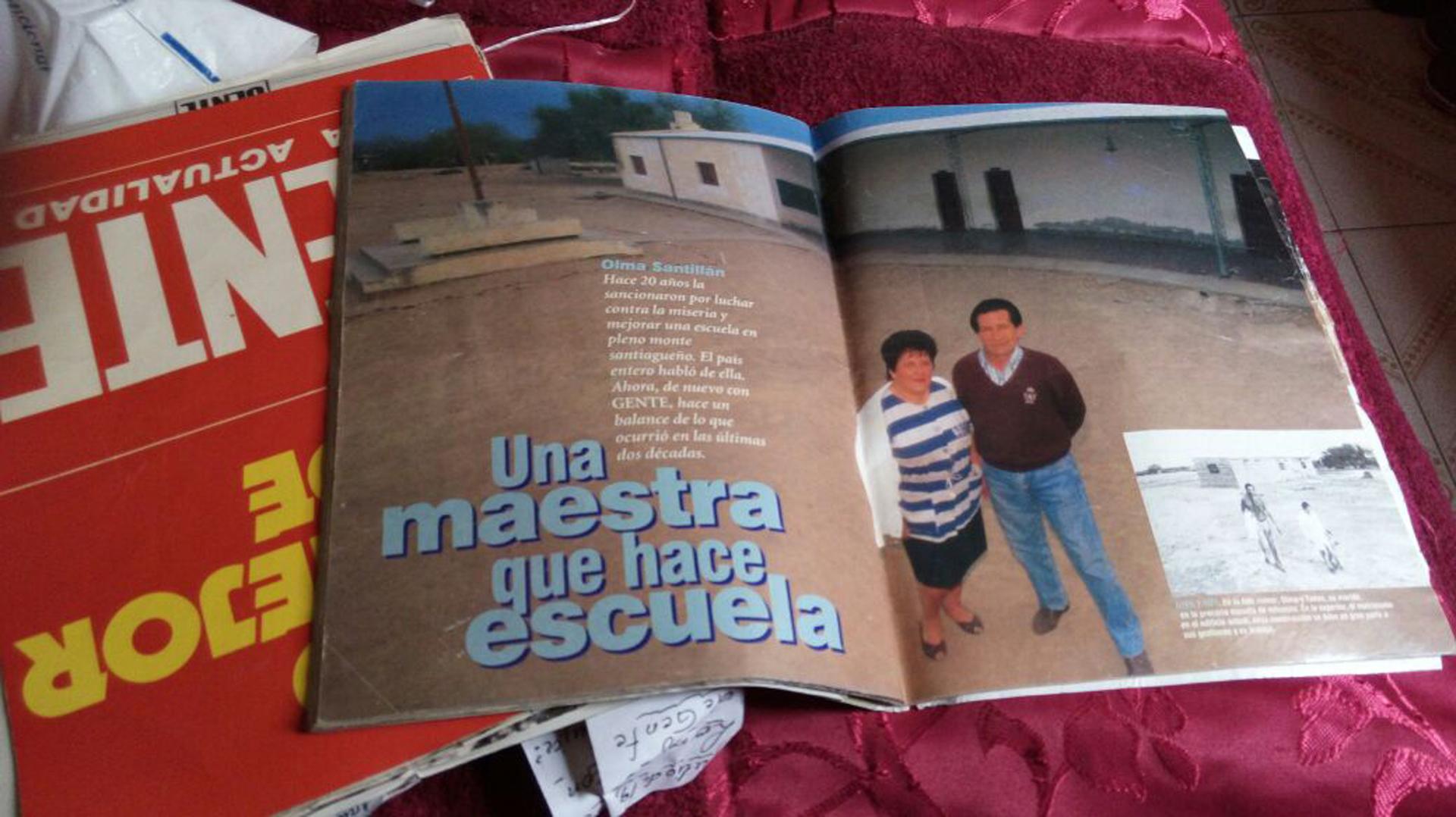 """""""Una maestra que hace escuela"""", una nota de la revista Gente que se hacía eco de la trascendencia de la docente (Archivo personal Olma Santillán)"""