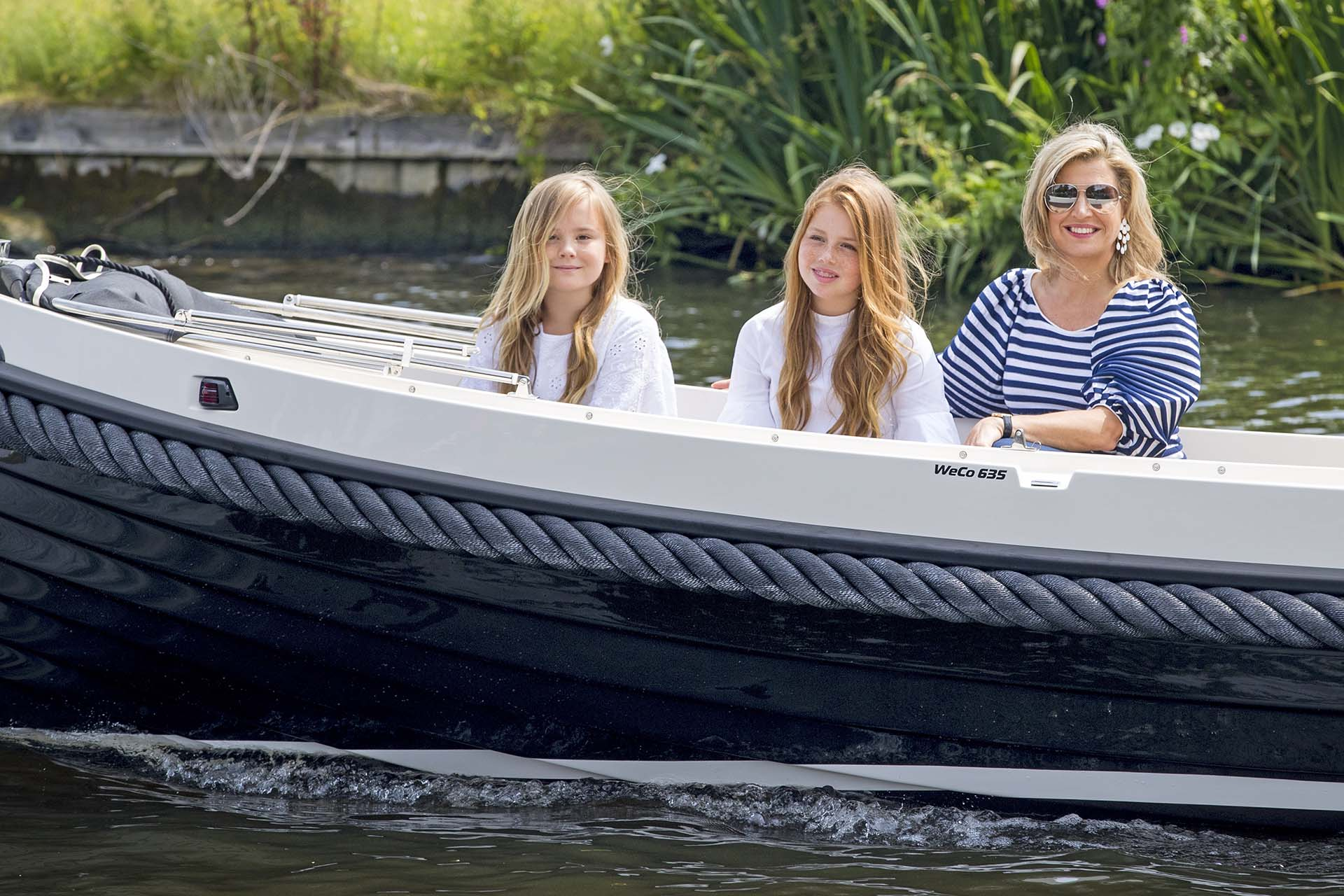 Máxima junto a las princesas Ariane y Alexia, listas para el descanso de verano que se extenderá desde el 17 de julio hasta el 23 de agosto