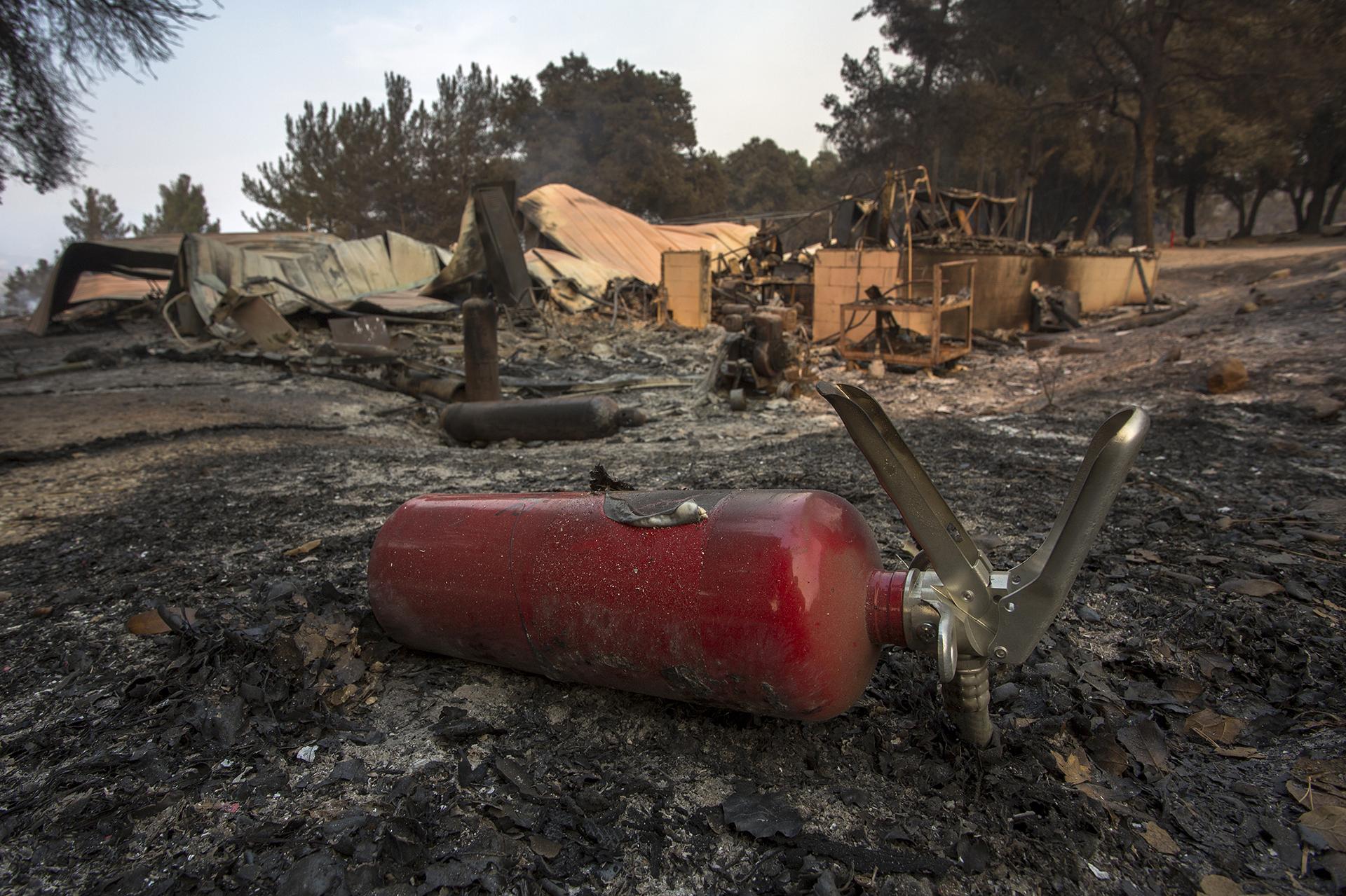 El Rancho Alegre, de los Boy Scouts, quedó reducido a cenizas, cerca de Santa Barbara