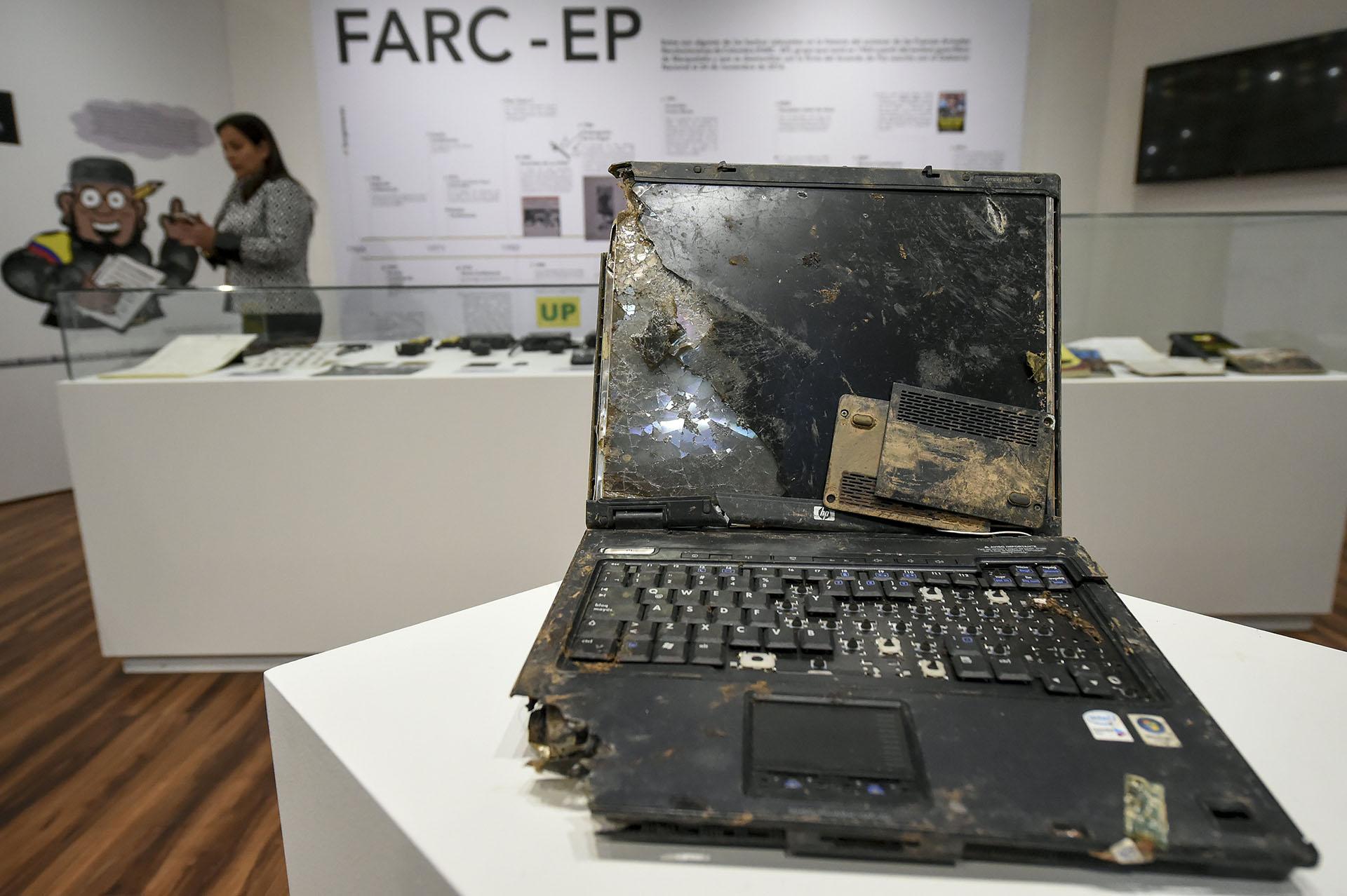 Una de las tantas computadora secuestrada a las FARC durante el operativo que terminó con la vida de Mono Jojoy (AFP)