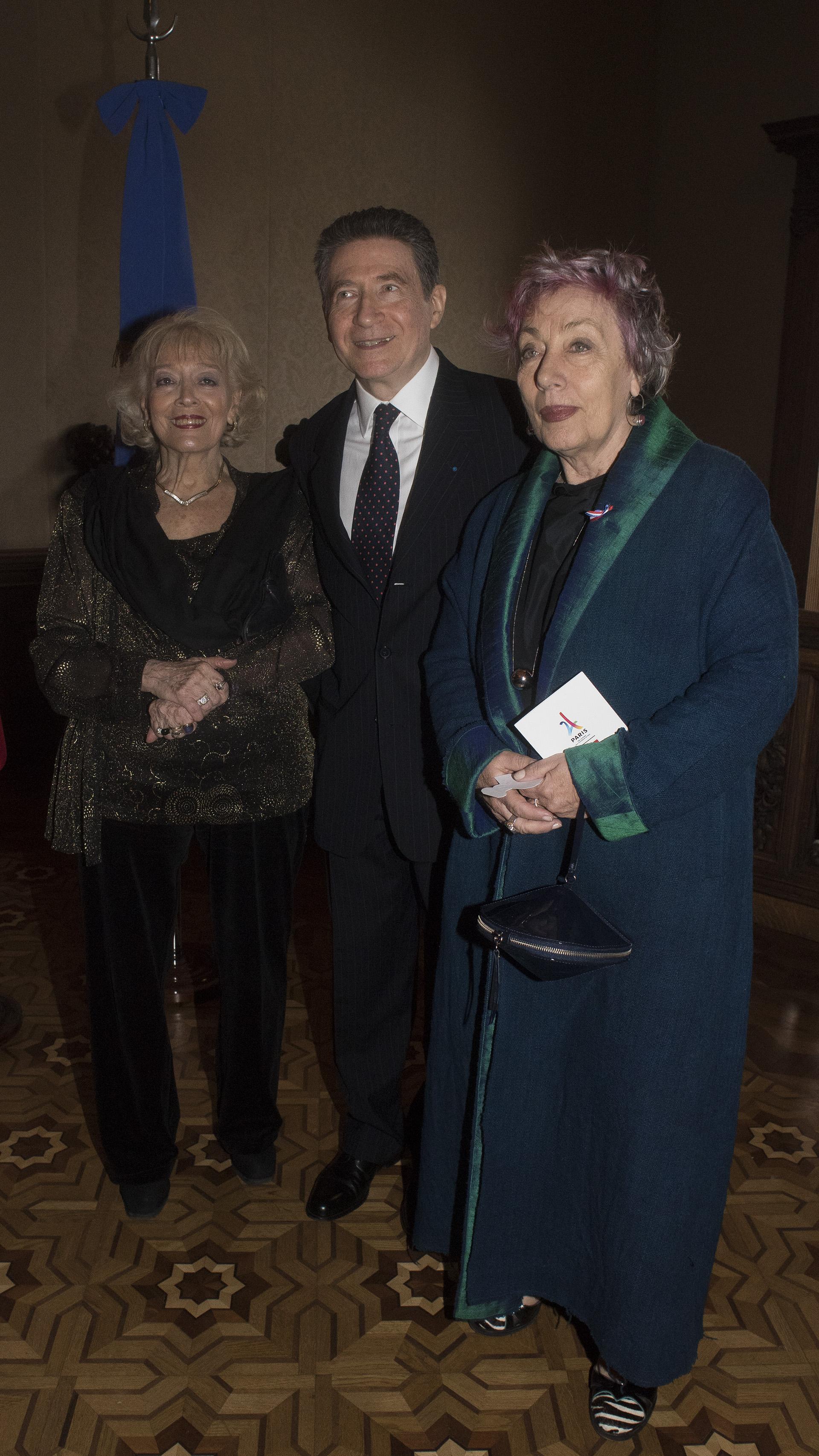 El embajador y su mujer junto a la directora del Observatorio de Derechos Humanos, Norma Morandini