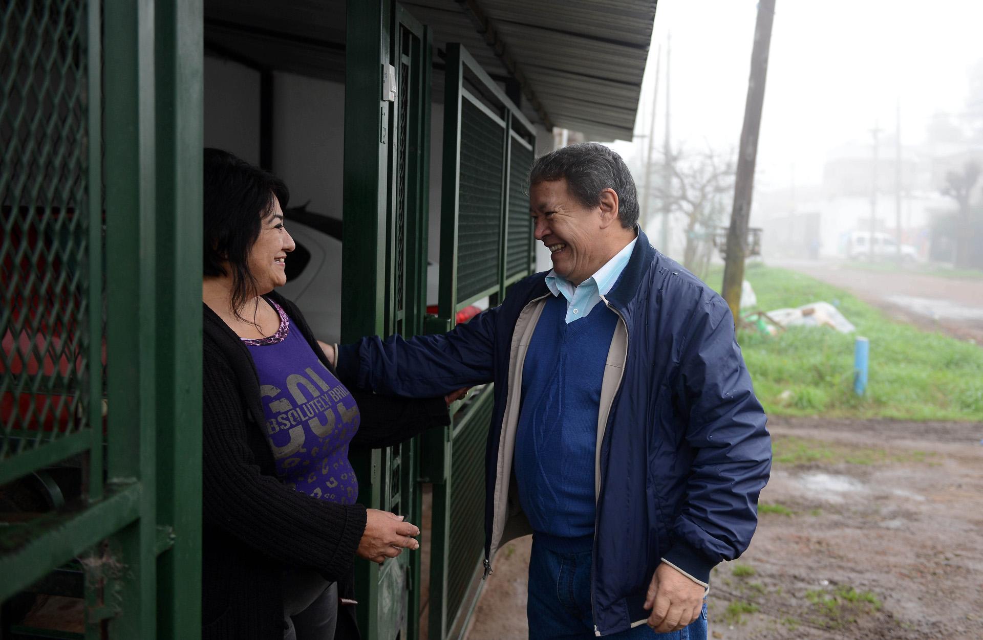 Toty Flores estuvo reunido en las instalaciones de la cooperativa La Juanita, de la que es su fundador y que funciona en Laferrere