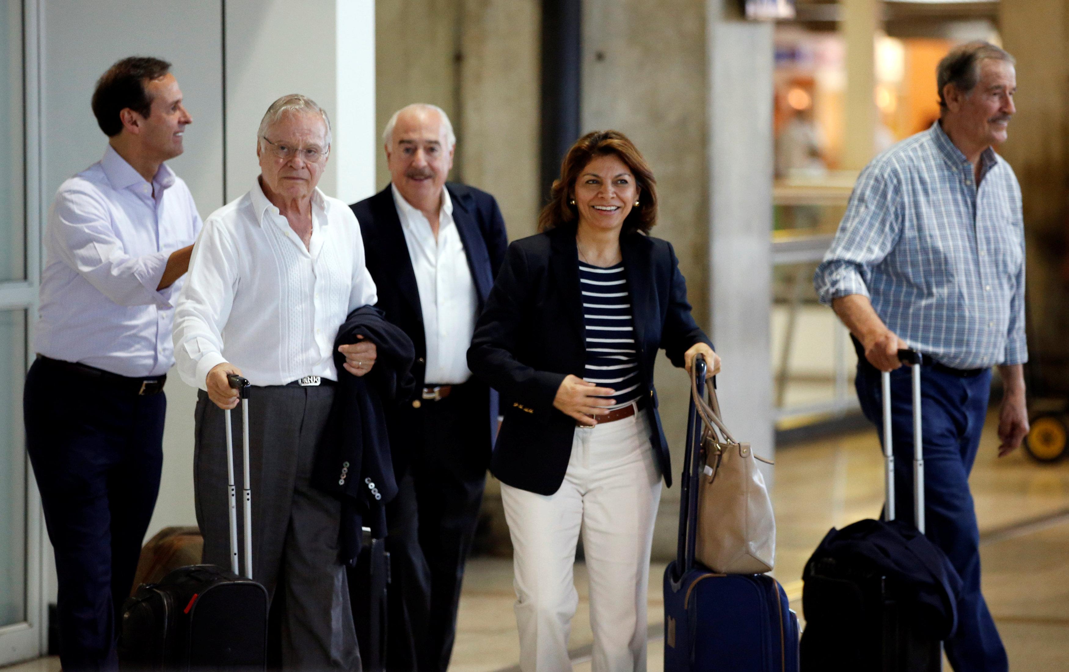 Ex presidentes de Costa Rica, Bolivia, Colombia y México arribaron Venezuela como garantes de la jornada democrática. (REUTERS/Andres Martinez Casares)