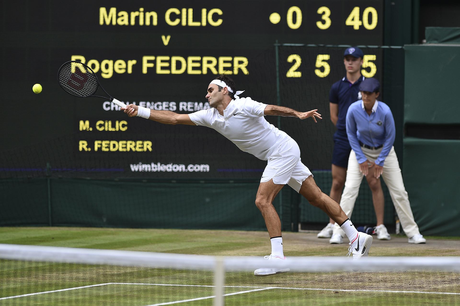La elegancia de Roger a pesar del esfuerzo por devolver la pelota