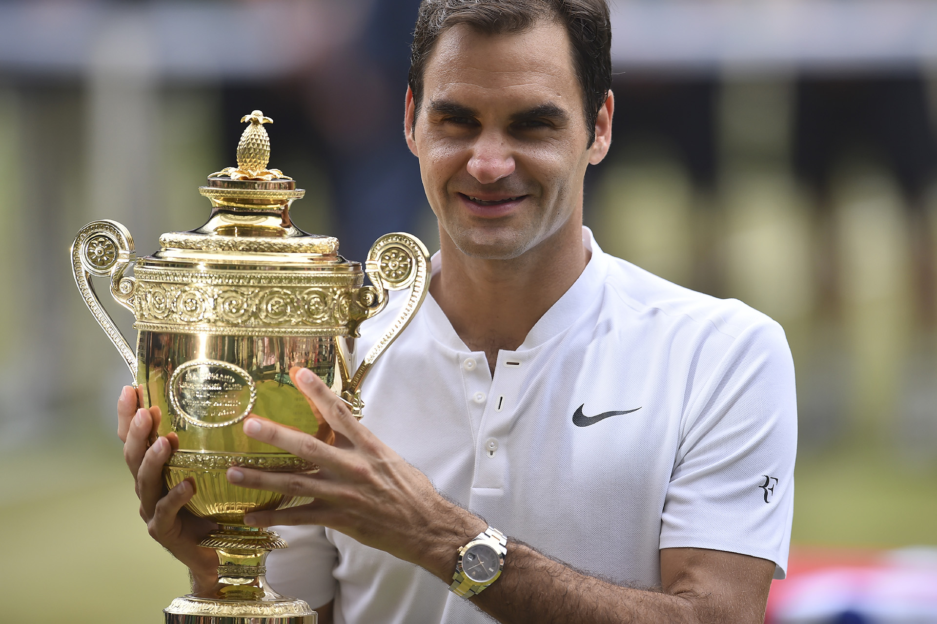 Con el octavo Wimbledon, Roger Federer conquistóel19° Grand Slam de su carrera (AFP PHOTO)