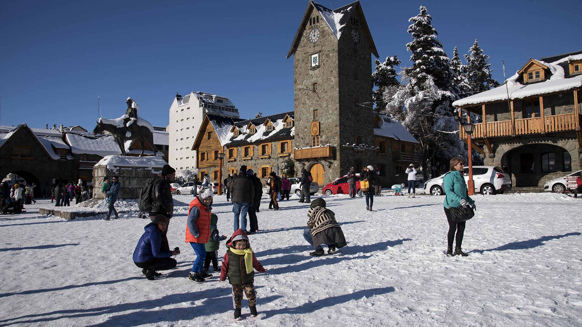 El Servicio Meteorológico Nacional registró un récord absoluto de frío en la ciudad de Bariloche esta madruga: 25.4 grados bajo cero (Fotos: Marcelo Martínez)