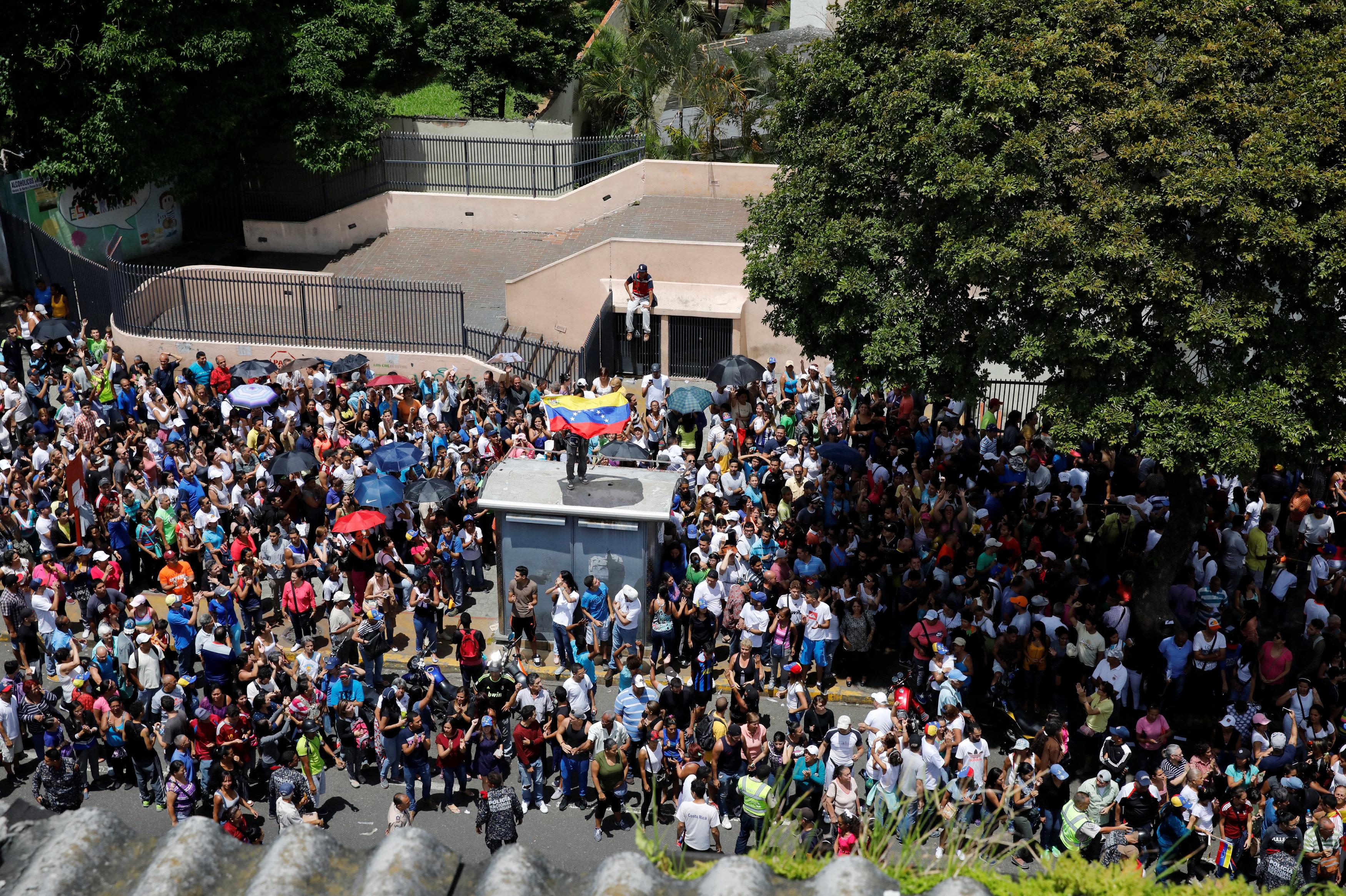 Millones de opositores manifestaron en las urnas su rechazo a la constituyente (Reuters)