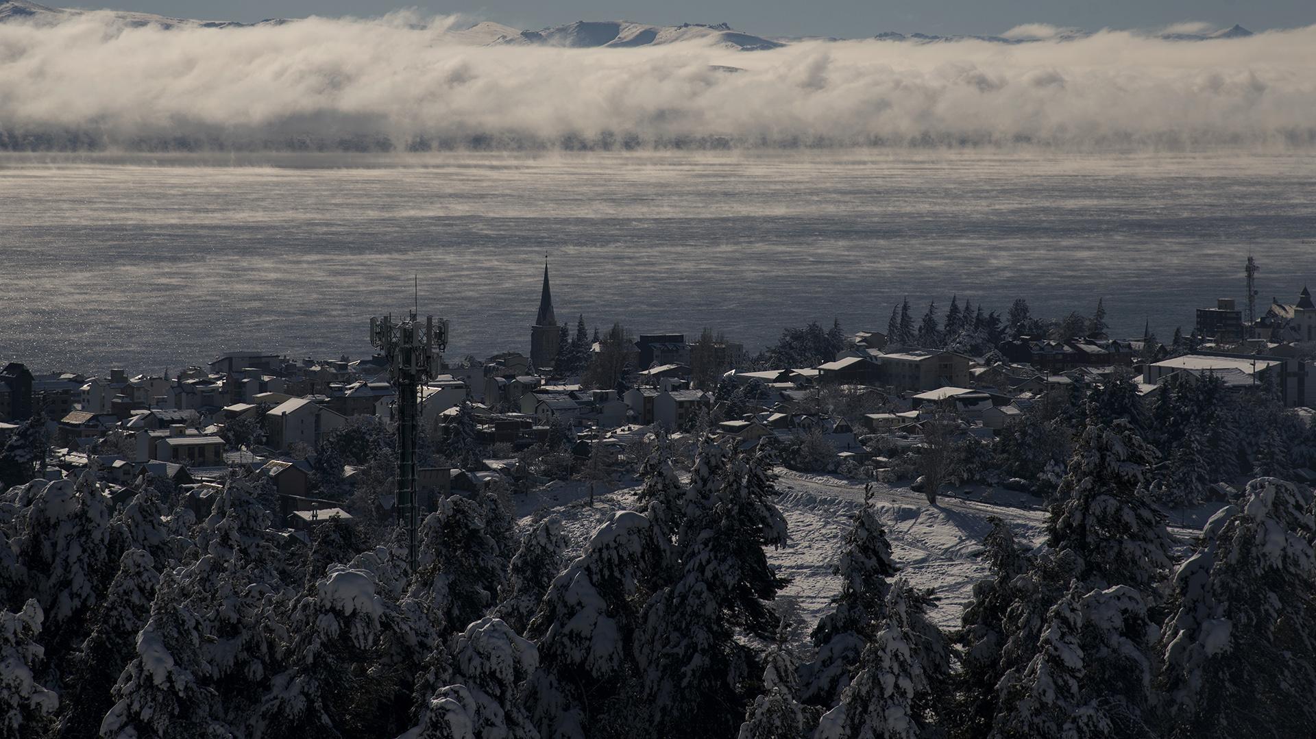 Uno de los principales destinos turísticos de invierno comenzó la temporada vacaciones vestida de blanco