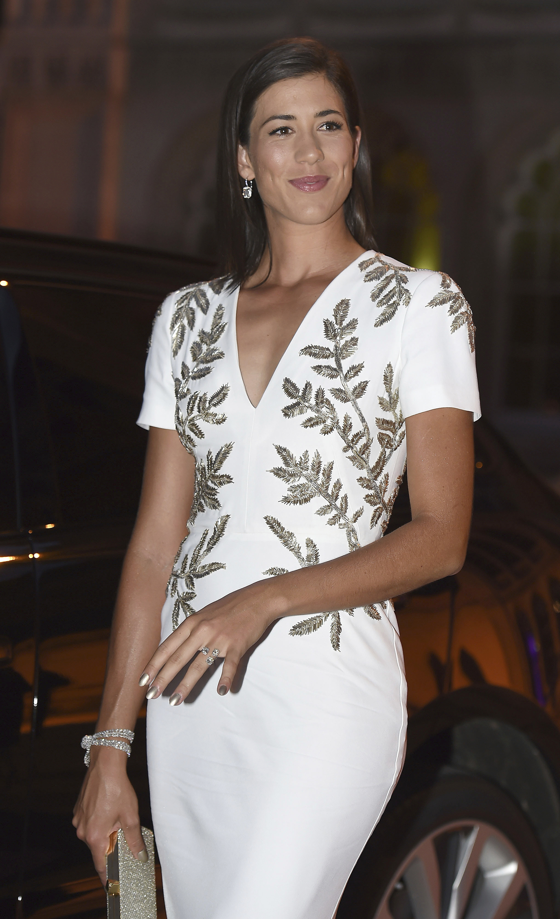 La hispano-venezolana Garbiñe Muguruza se coronó por primera vez en Wimbledon (Lauren Hurley/PA via AP)