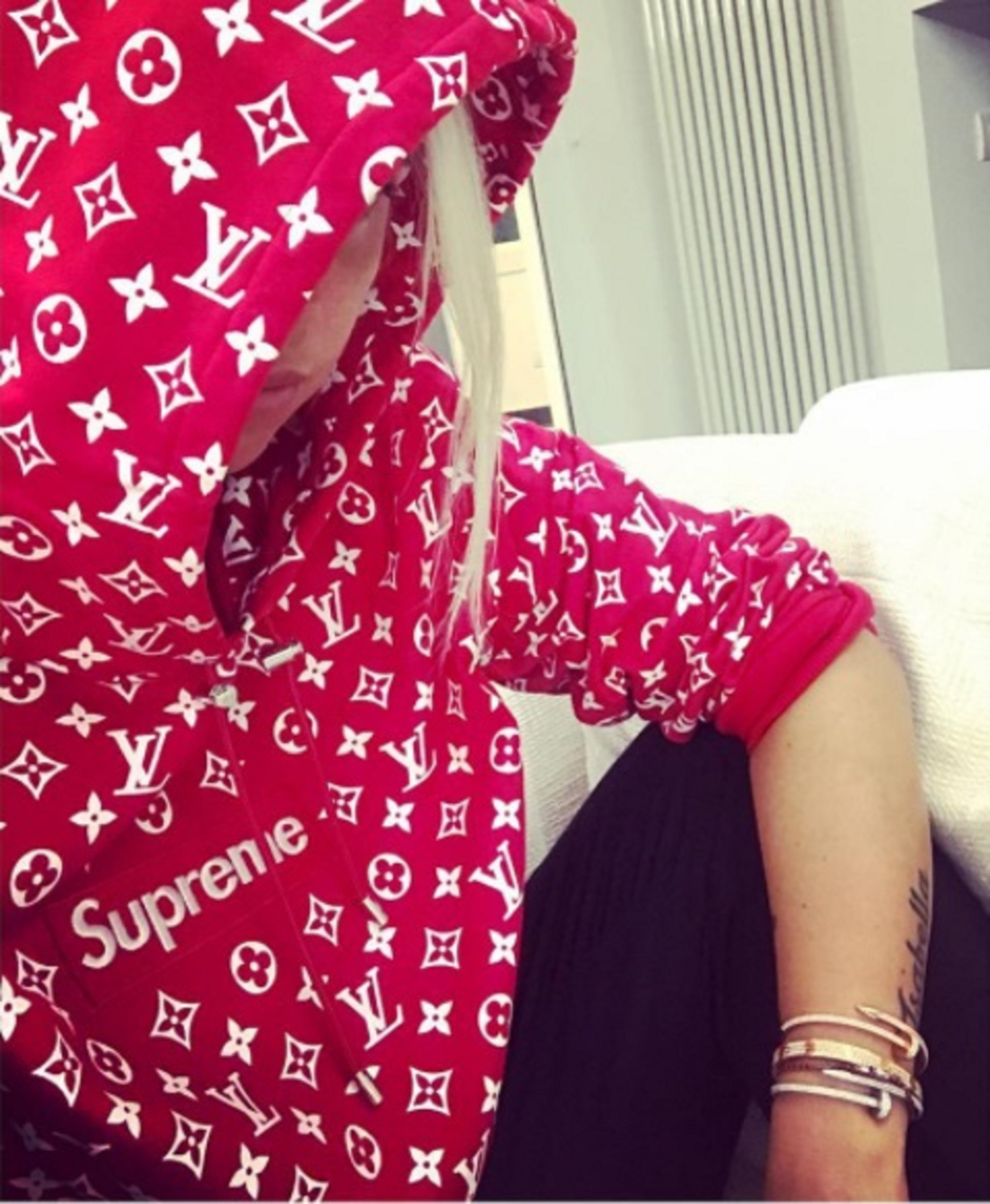 Wanda Nara lució un buzo de entre 12 y 15 mil pesos en Instagram