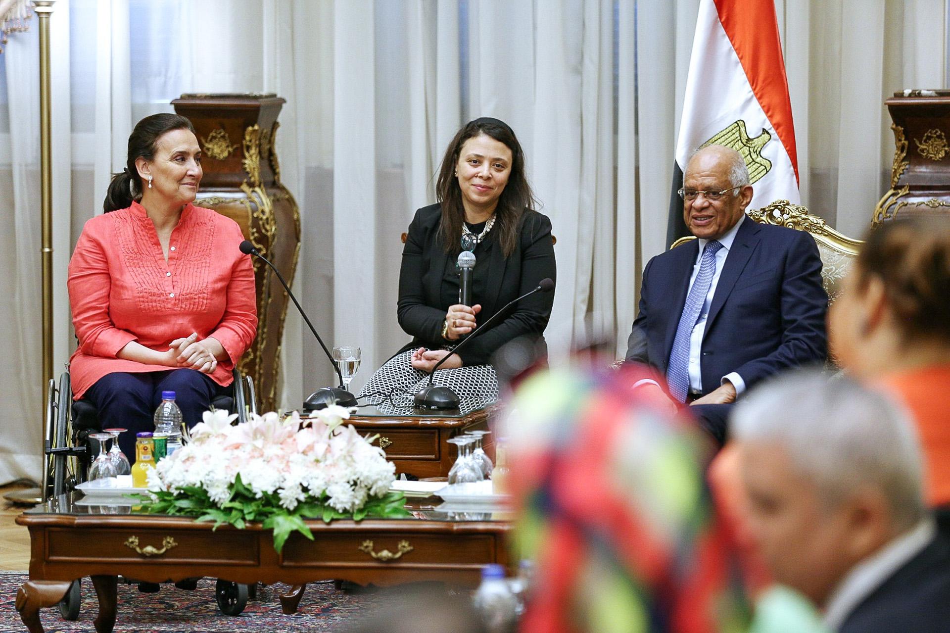 En el marco de la misión oficial a Egipto, la vicepresidenta de la Nación, Gabriela Michetti, fue recibida en el Parlamento por su presidente, Ali Abdel Aal