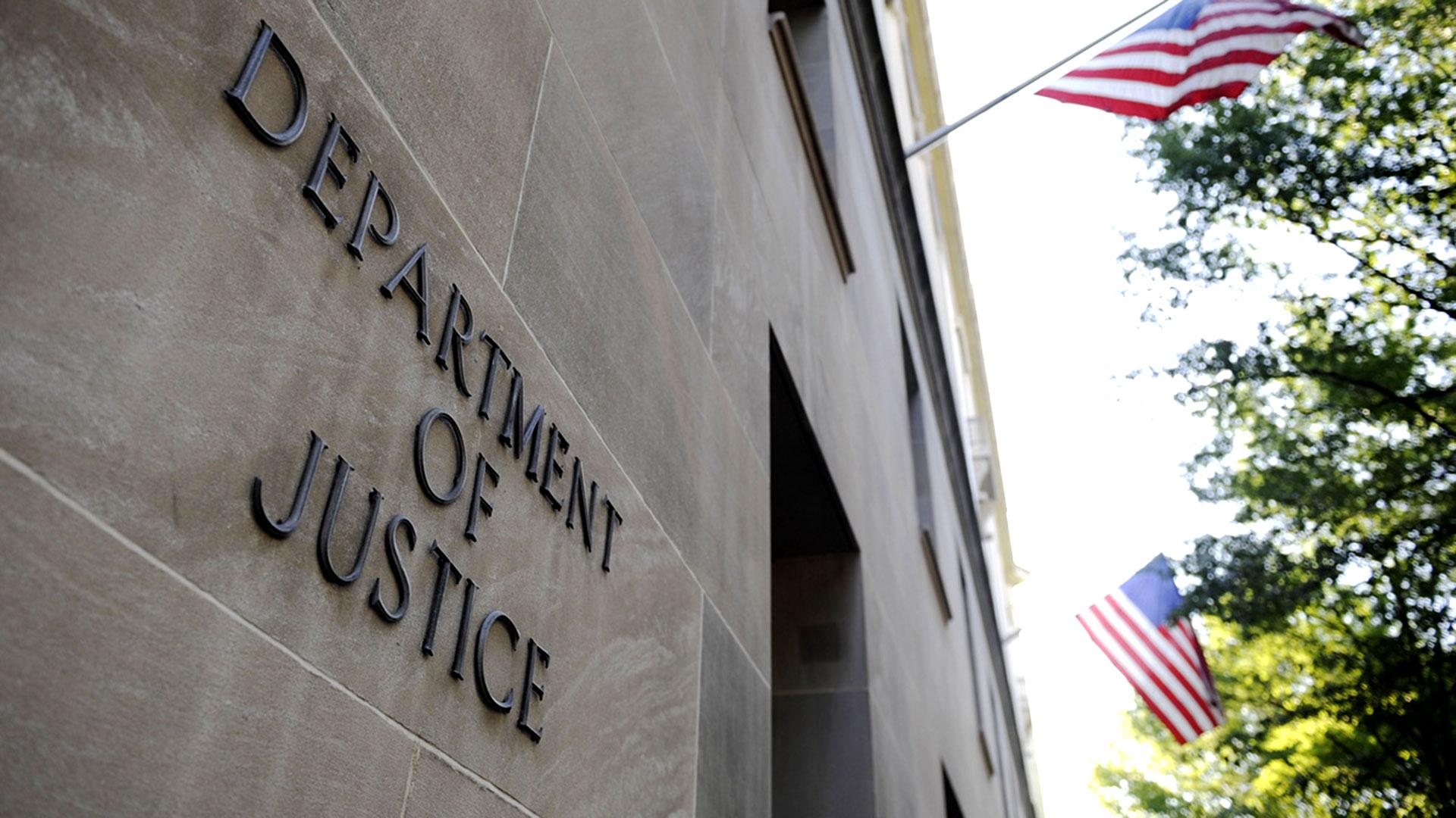 Bloomberg informó que el Departamento de Justicia de EEUU pidió documentos a Apple
