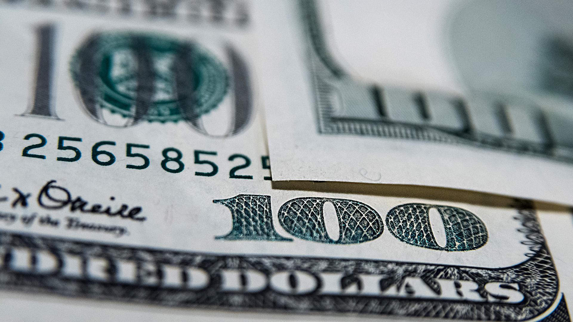 Con idas y vueltas, el dólar vale casi lo mismo que al cierre de 2018. (Adrián Escandar)
