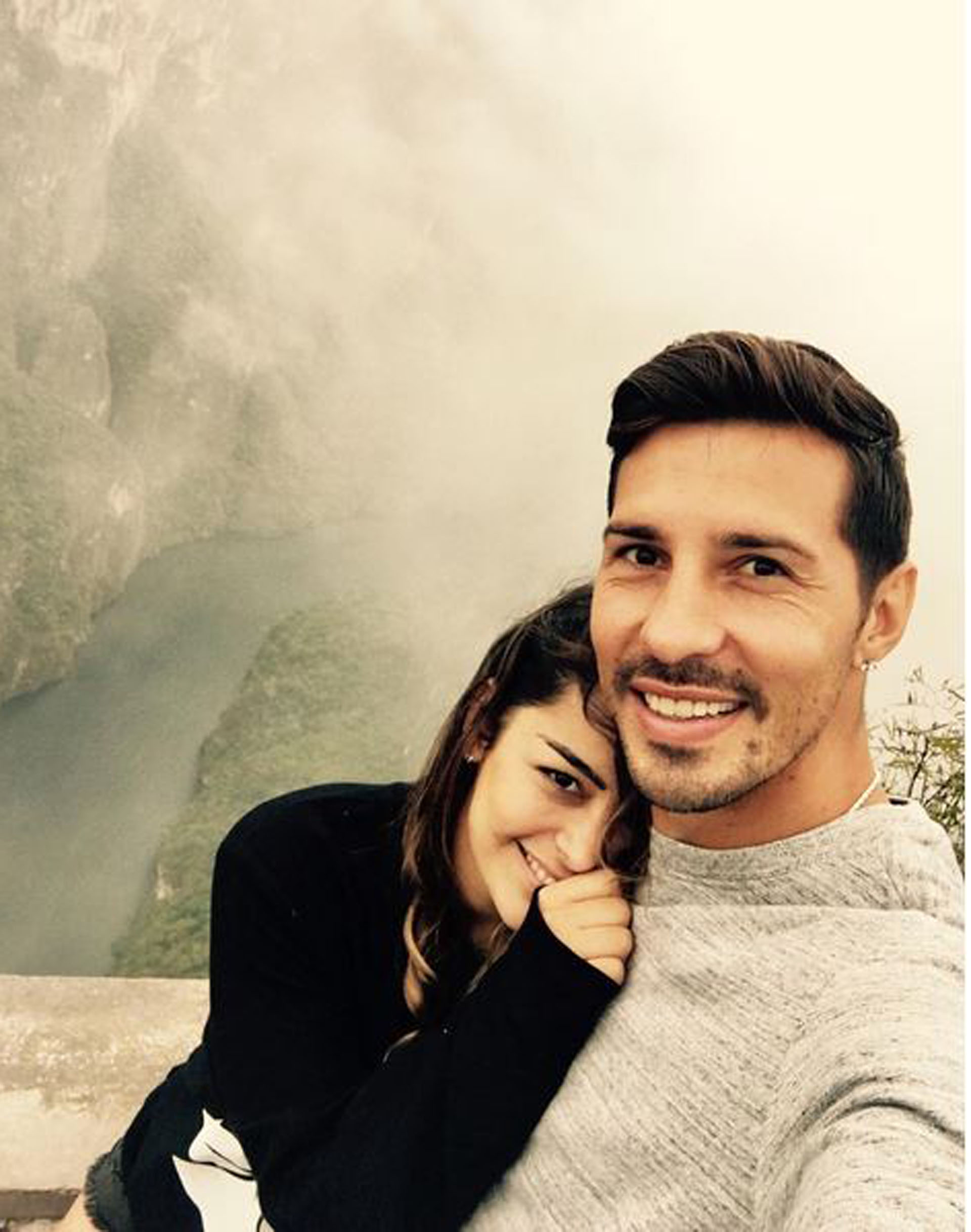 Larissa Riquelme y Jonathan Fabbro.