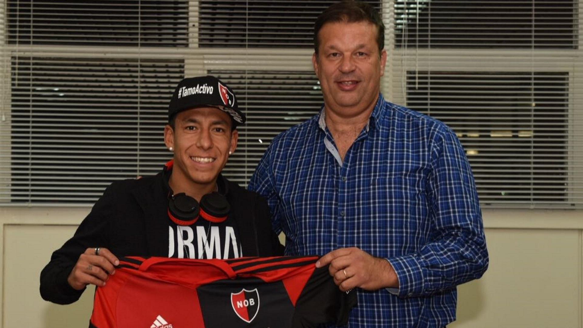 Sarmiento jugará a préstamo por un año en el club del que es hincha (Newell's oficial)