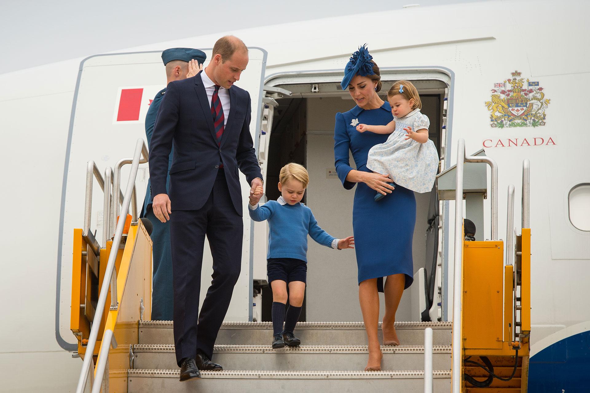 Los duques de Cambridge con sus hijos más grandes en una visita oficial a Canadá (Getty)