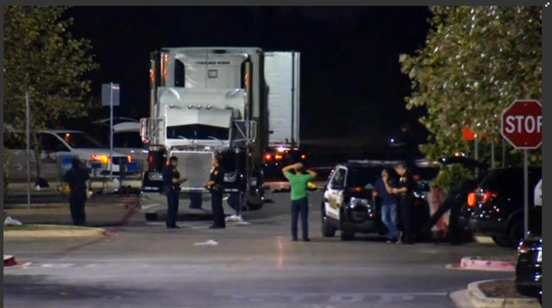 El conductor del camión fue acusado de tráfico de personas