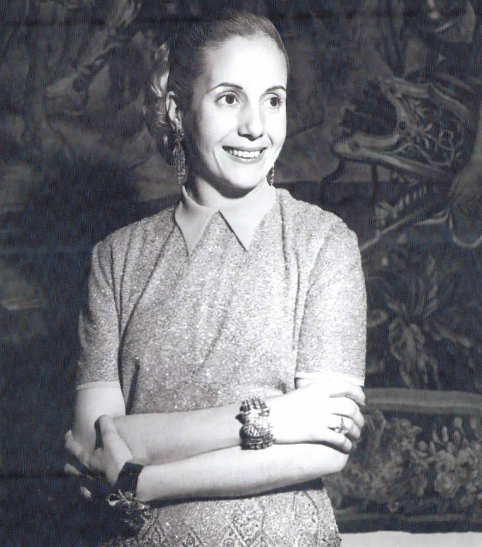 Retrato de Evita en el que ya empiezan a notarse los efectos de la enfermedad en su físico