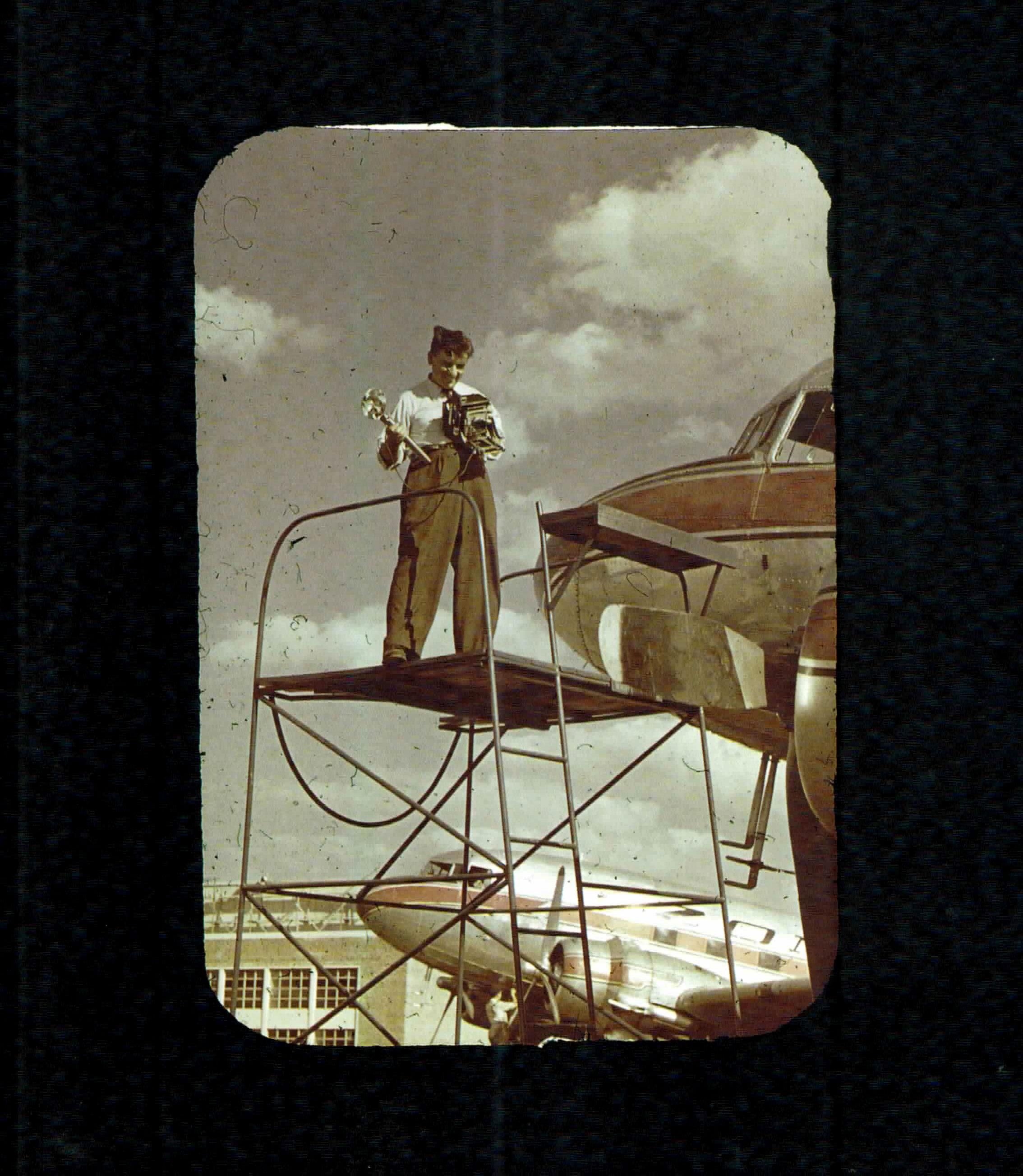 El arresto tras el golpe del 55 decidió a Fusco a poner a salvo su archivo fotográfico. Lo ocultó su hermano en la curtiembre que tenía en Nueva Pompeya. Así se preservó esta maravillosa colección